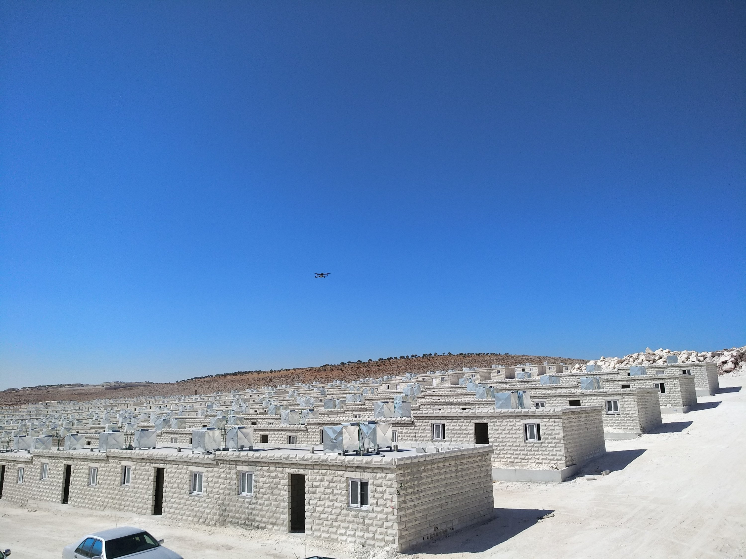 In order to improve conditions in the region, Turkish humanitarian agencies regularly provide aid to Idlib, with an emphasis on building houses for the displaced, currently living in tent camps.