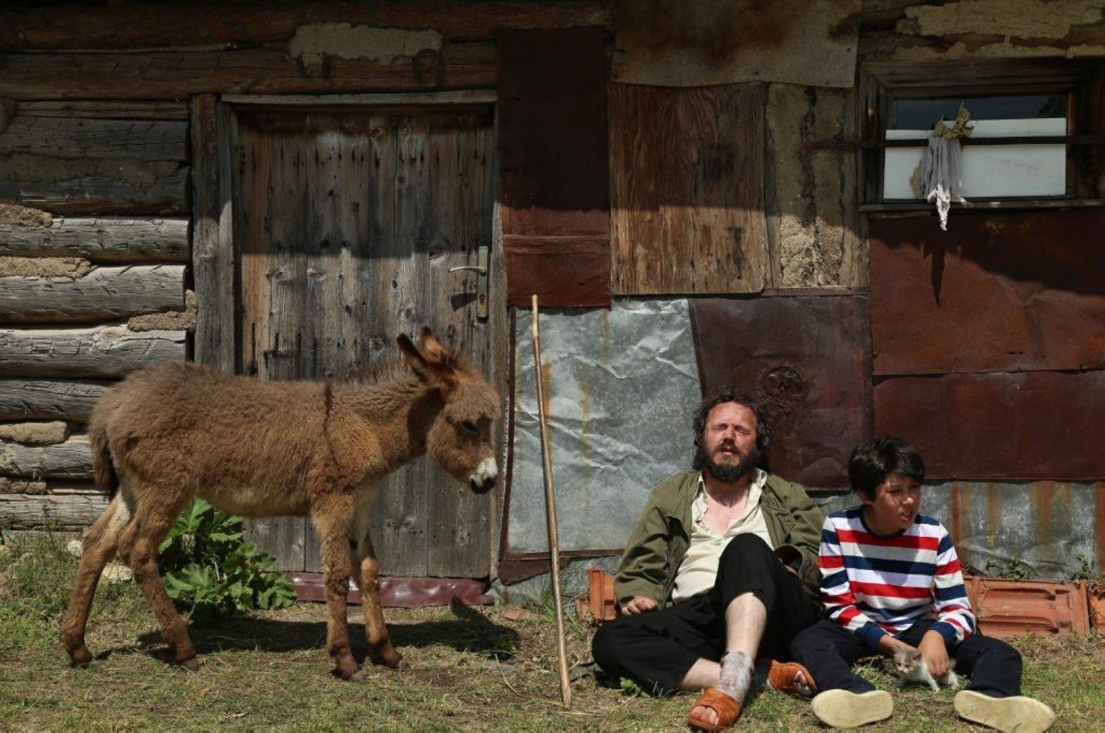 """Still shot from Murat Çeri's """"Bir Düş Gördüm."""""""