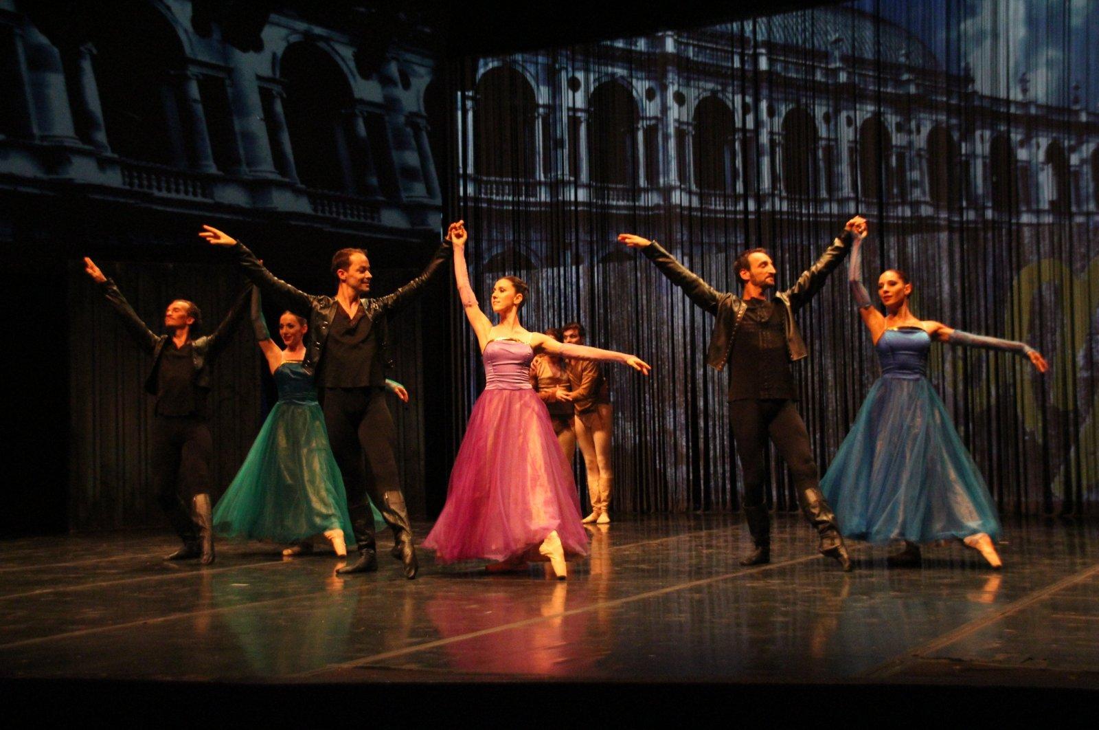 """Romeo and Juliet"" ballet performance at the 17th Bodrum Ballet Festival, Muğla, southwestern Turkey, Aug. 13, 2019. (THA PHOTO)"