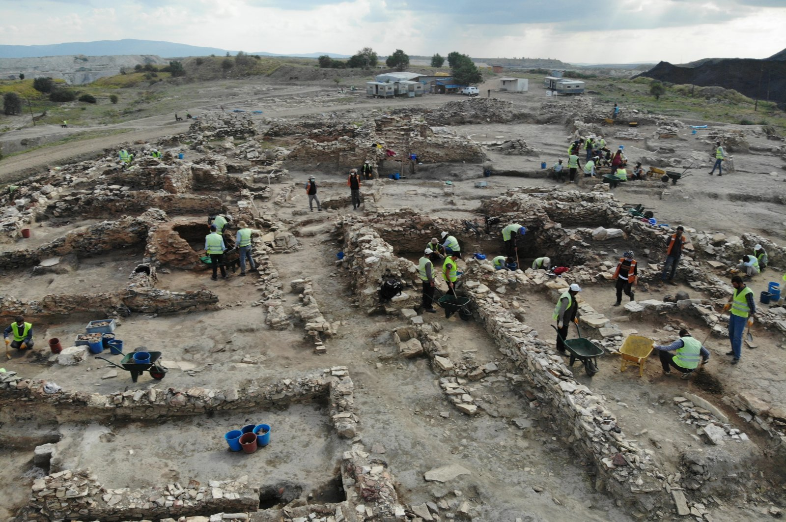 A photo from the excavations at the Seyitömer mound, Kütahya, western Turkey, Aug. 13, 2020. (AA PHOTO)
