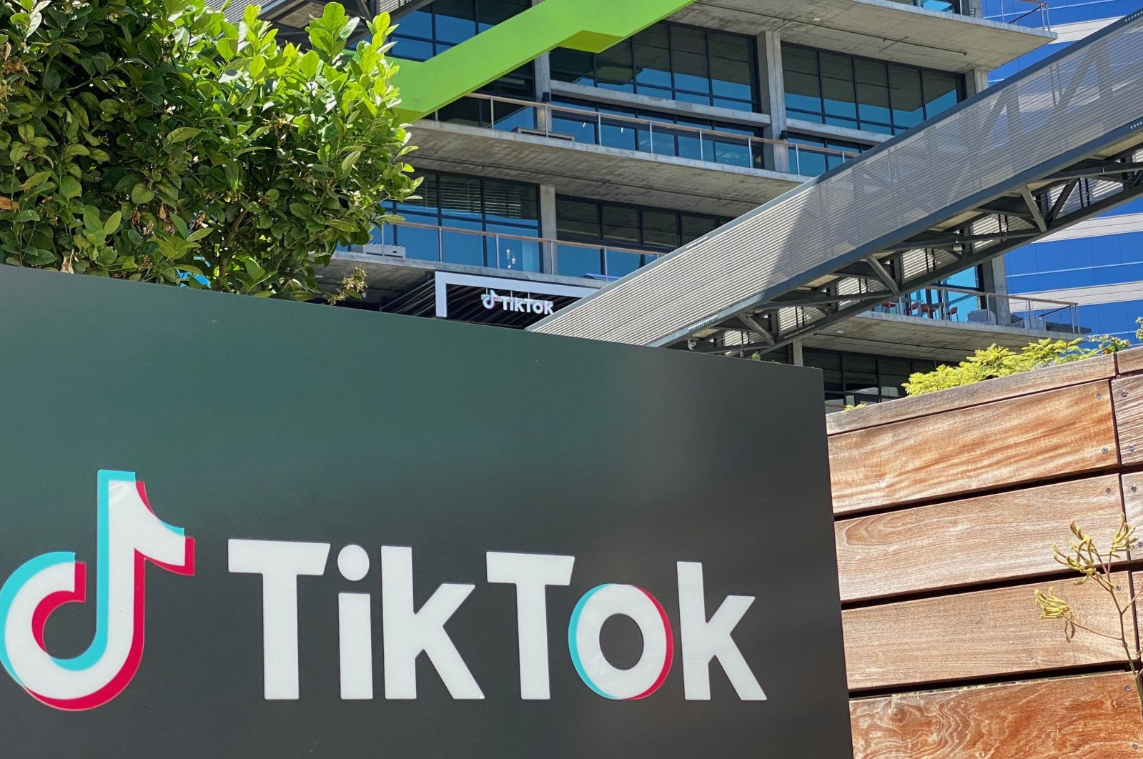 The logo of the Chinese video app TikTok is seen on the side of the company's new office space at the C3 campus in Culver City, westside of Los Angeles, U.S., Aug. 11, 2020. (AFP Photo)