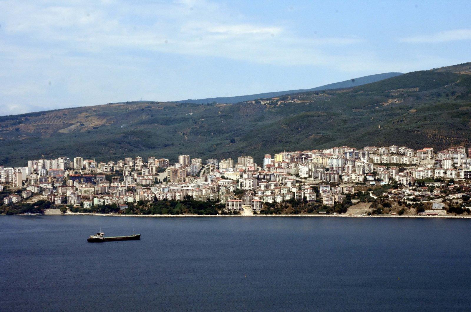 Residential buildings are seen on the coast of Gemlik in northwestern Bursa province, Turkey, June 29, 2018. (AA Photo)