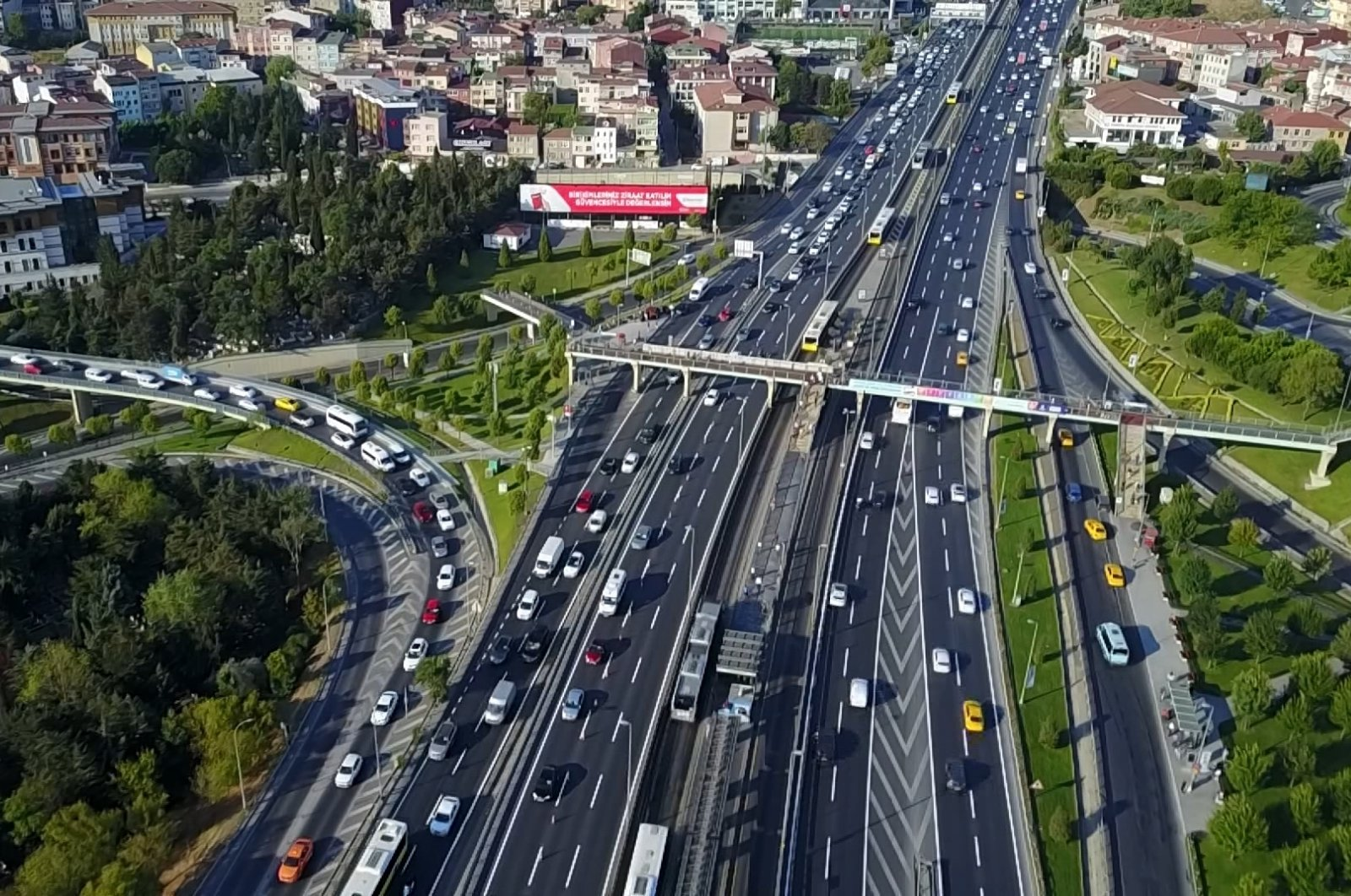 Automobiles in the Ayvansaray section of the D-100 highway in Istanbul, Turkey, Aug. 10, 2020. (DHA Photo)