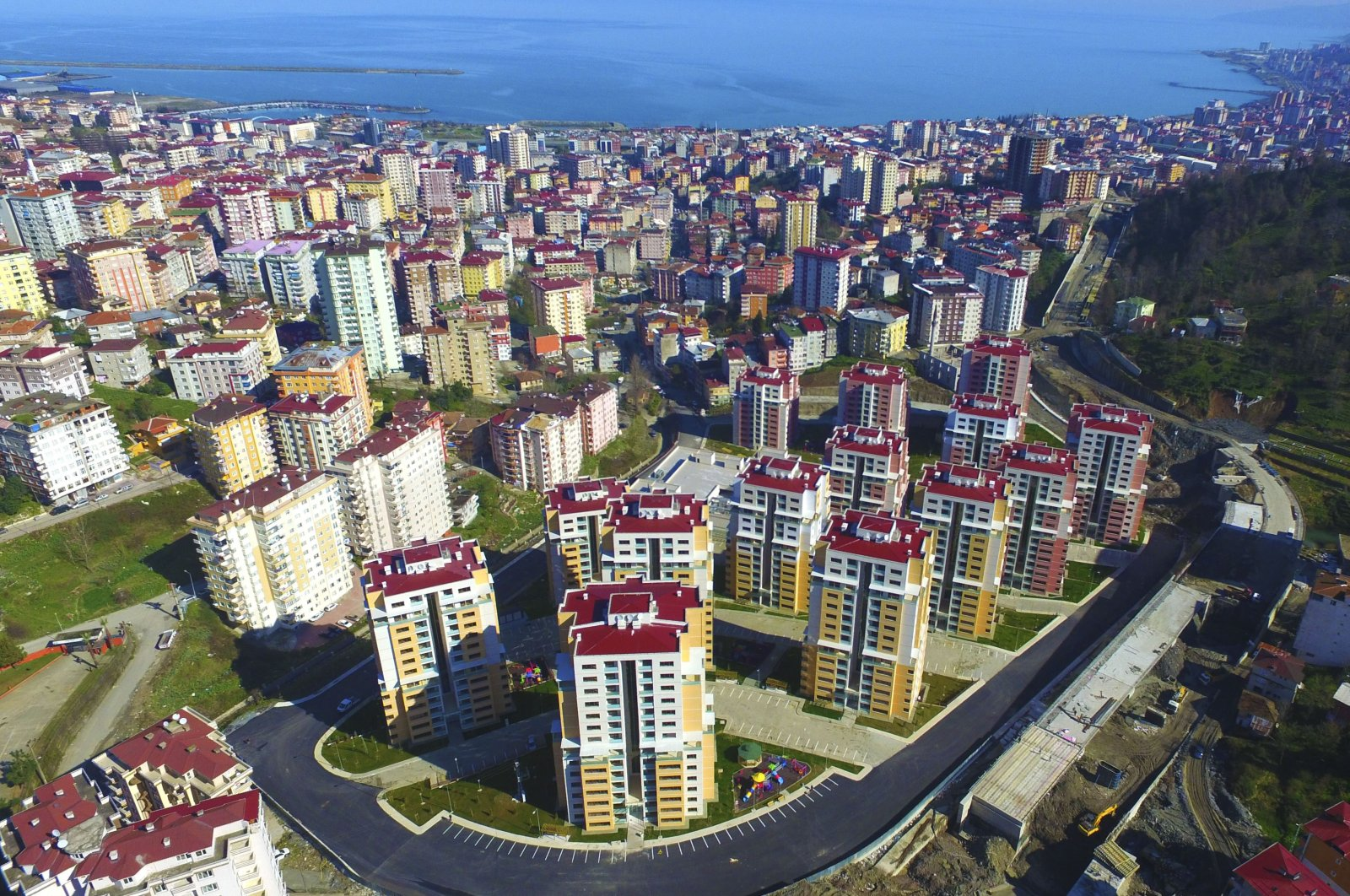 A new housing project is seen in northeastern Rize province, Turkey, Oct. 3, 2018. (IHA Photo)