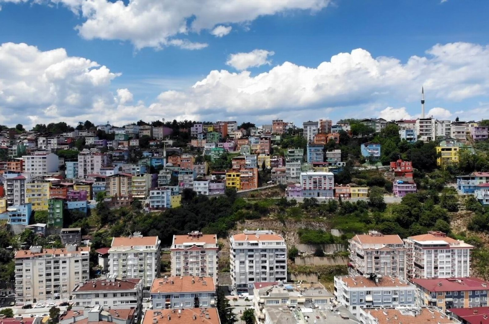 Residential buildings are seen in Turkey's northern Samsun province, Aug. 15, 2020. (IHA Photo)