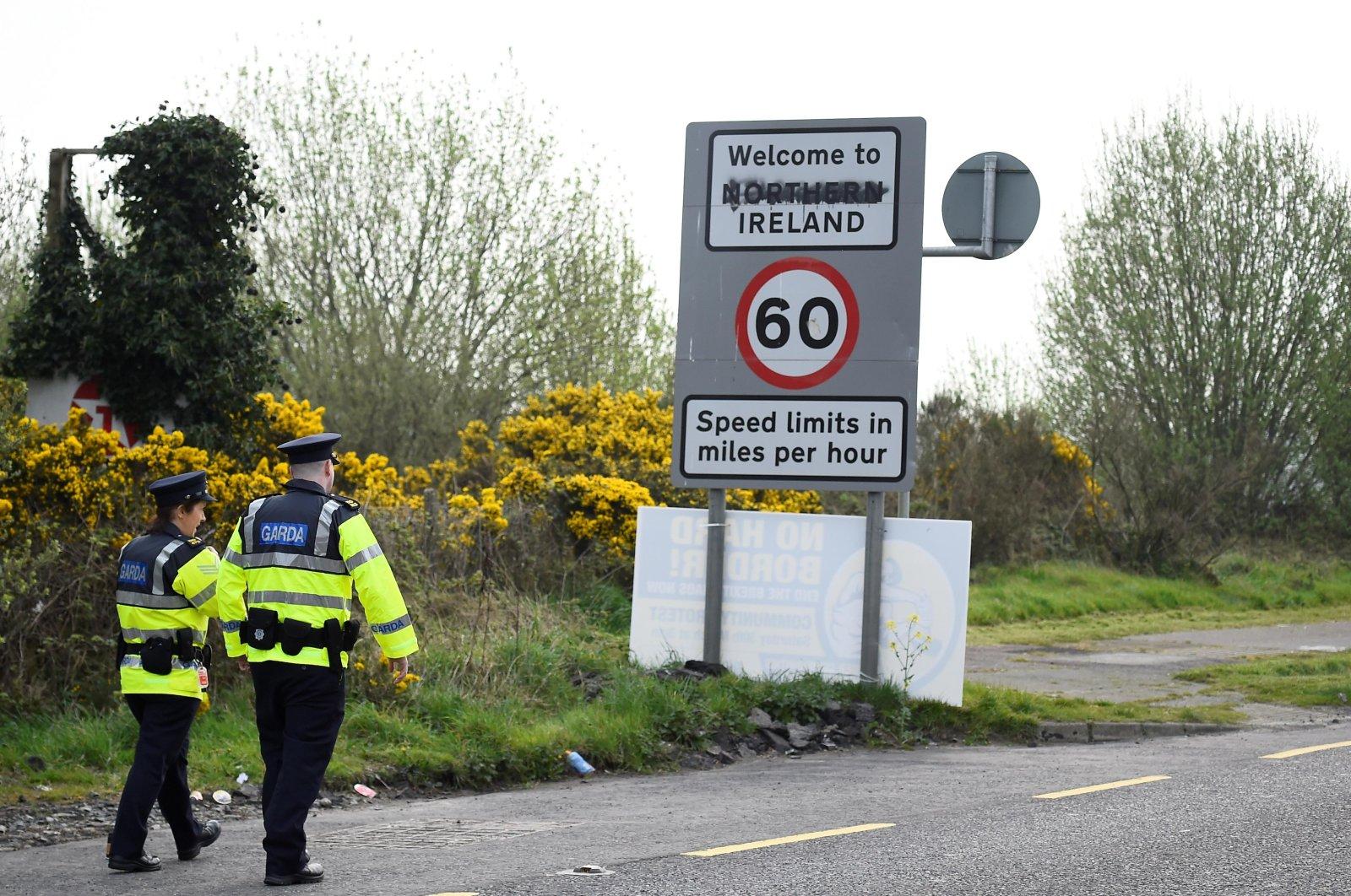 Irish police officers patrol before U.S. House Speaker Nancy Pelosi's visit to the border between Ireland and Northern Ireland in Bridgend, Ireland, April 18, 2019. (Reuters Photo)