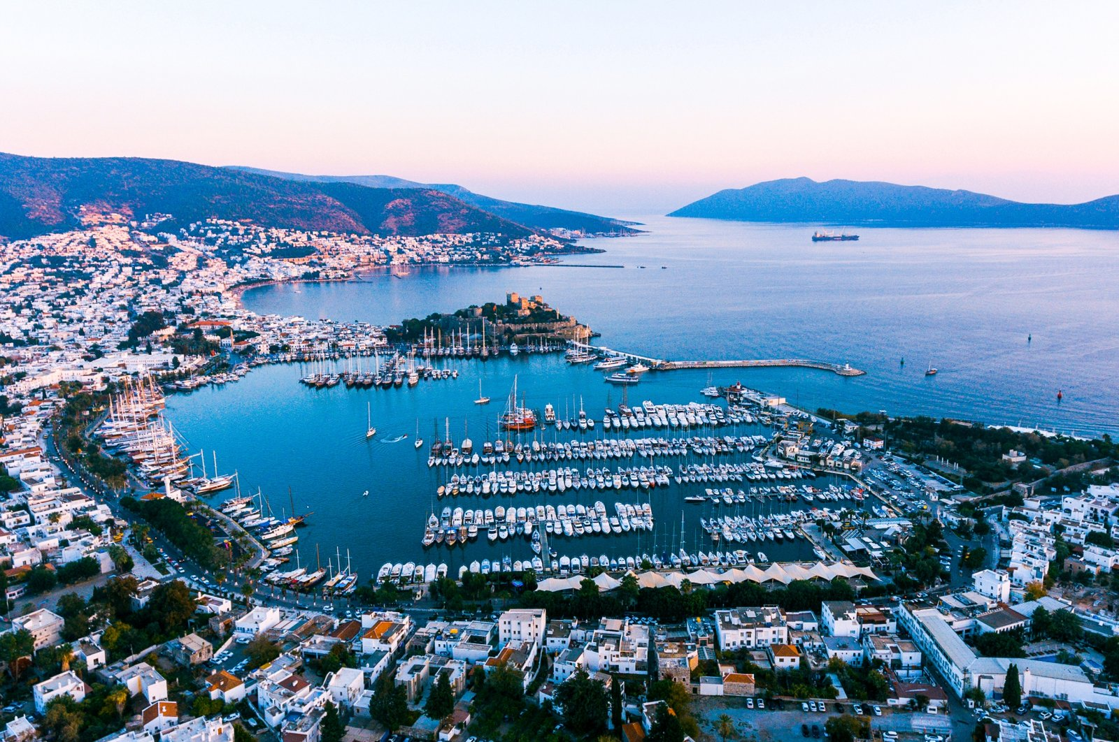 From British royalty to Hollywood A-listers and elite businesspeople, the list of those who come to Bodrum time after time goes on and on. (Shutterstock Photo)