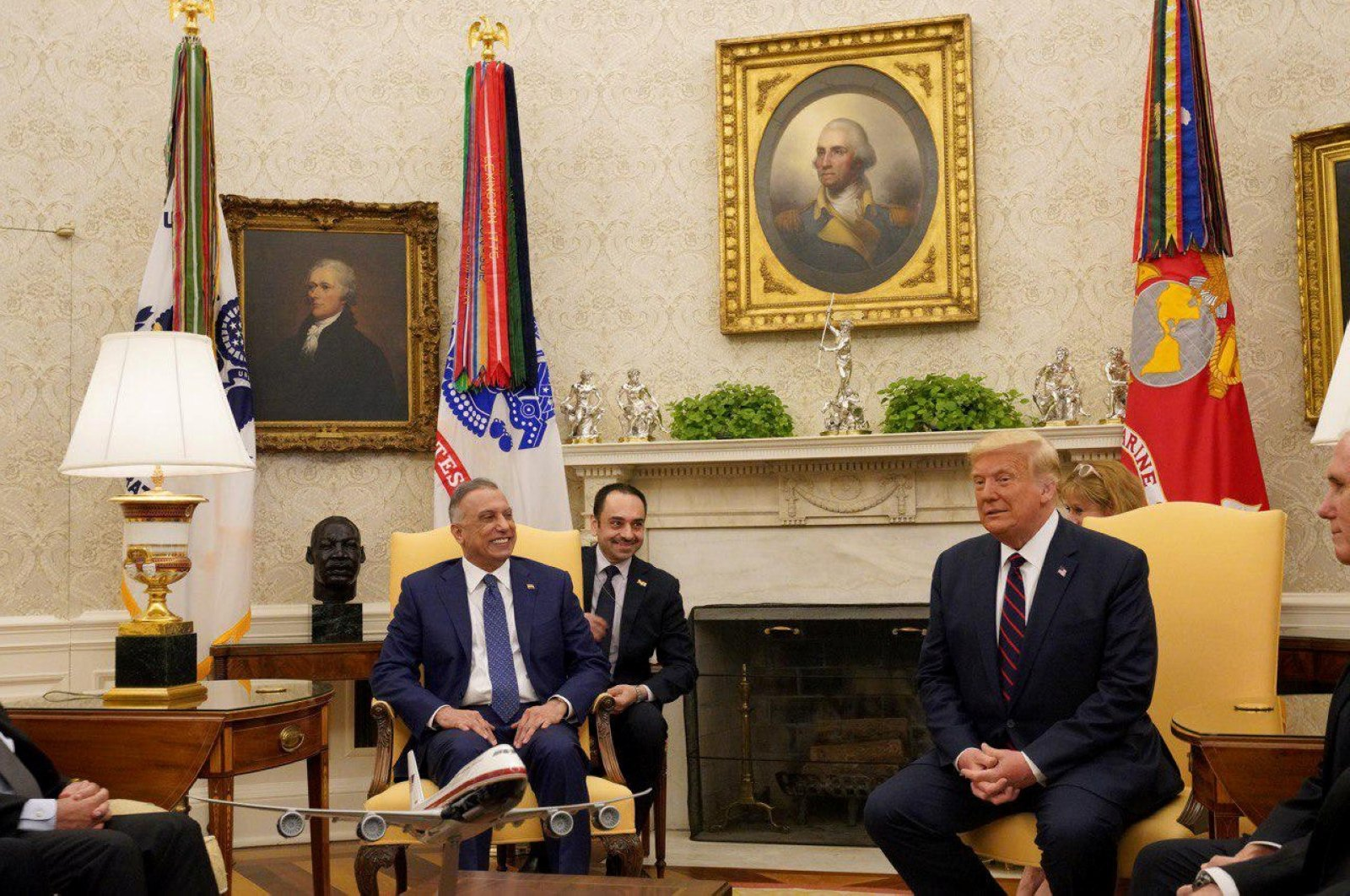Iraq's Prime Minister Mustafa al-Kadhimi (L) meets with U.S. President Donald Trump (R) in the Oval Office at the White House, Washington, U.S., Aug. 20, 2020. (REUTERS Photo)