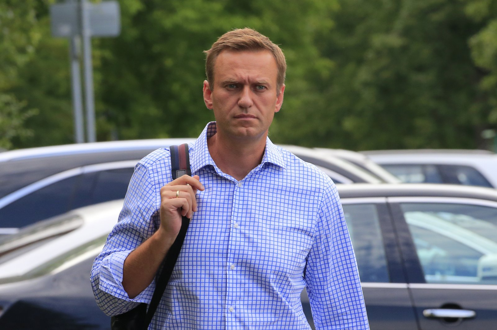 Russian opposition leader Alexei Navalny walks before a court hearing in Moscow, Russia, July 1, 2019. (Reuters Photo)