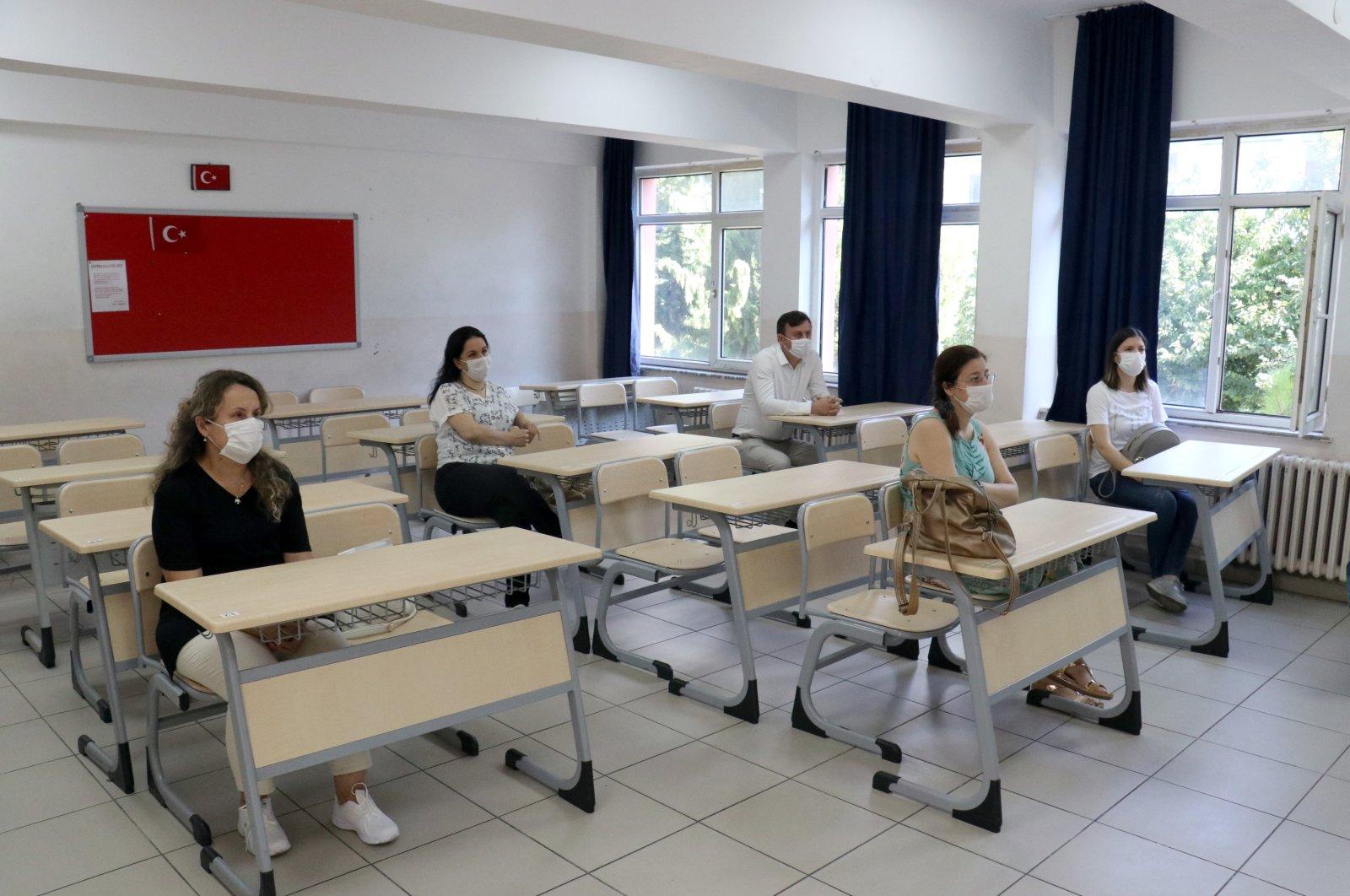 Teachers attend a training program at a school in Kırklareli, northwestern Turkey, Aug. 24, 2020. (AA Photo)