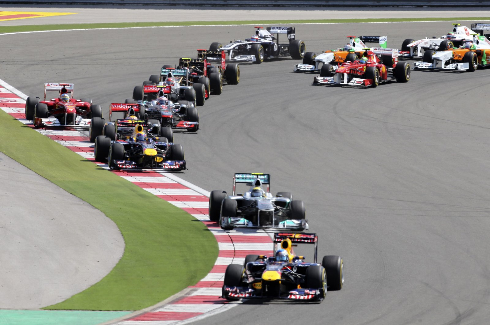 Red Bull driver Sebastian Vettel leads the field after the start of the Formula One race at the Istanbul Park circuit racetrack in Istanbul, Turkey, May 8, 2011. (AP Photo)
