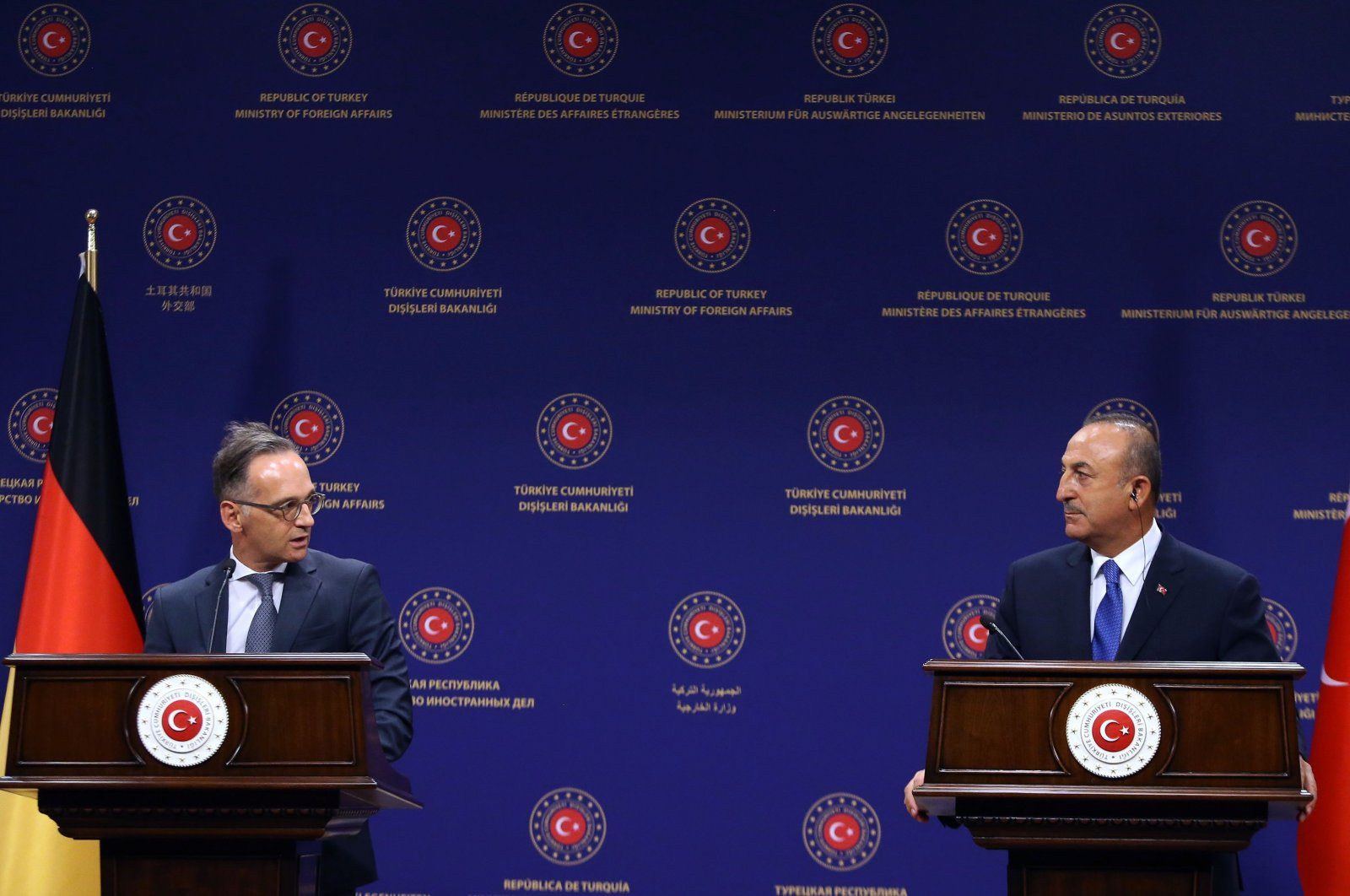 Turkish Foreign Affairs Minister Mevlüt Çavuşoğlu (R) and German Foreign Affairs Minister Heiko Maas (L) hold a joint press conference following their meeting at the Turkish Foreign Ministry in Ankara on Aug. 25, 2020. (AFP Photo)