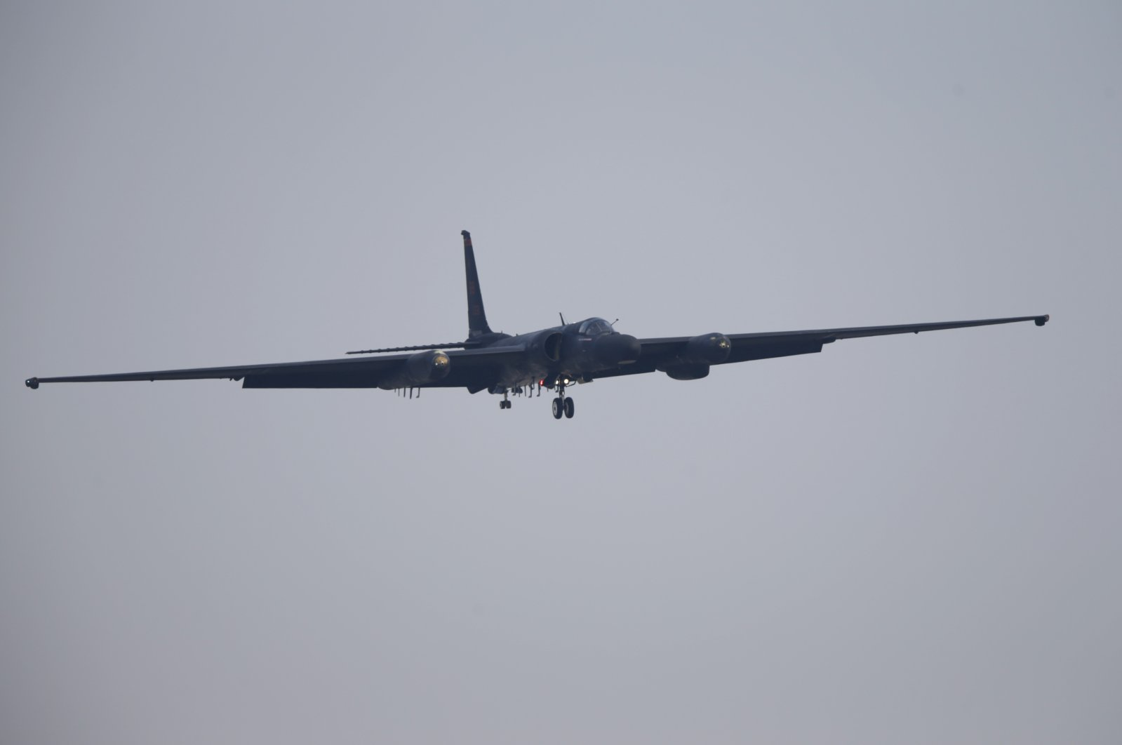 A U-2 reconnaissance plane belonging to the U.S. Air Force comes in for a landing at a U.S. Air Force base in Osan, south of Seoul, April 3, 2013. (Reuters Photo)