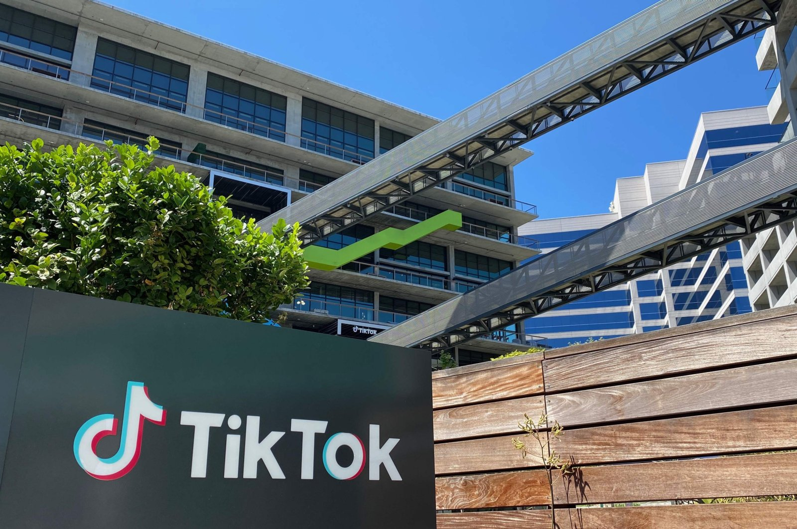 The logo of the Chinese video app TikTok is seen on the side of the company's new office space at the C3 campus in Culver City, in the westside of Los Angeles, U.S., Aug. 11, 2020. (AFP Photo)
