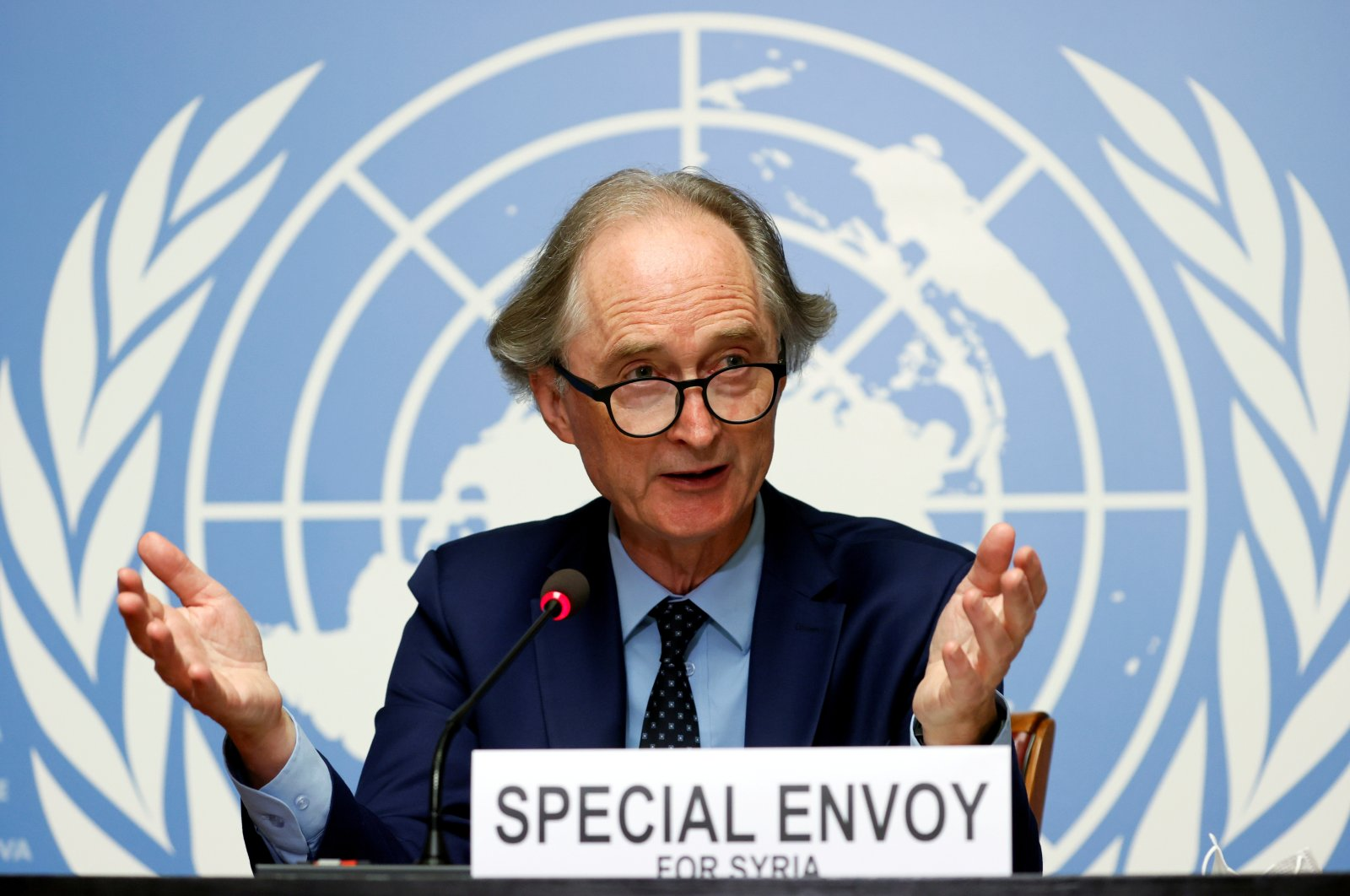 U.N. Special Envoy for Syria Geir Pedersen gestures during a news conference ahead of a meeting of the Syrian Constitutional Committee at the United Nations in Geneva, Aug. 21, 2020. (REUTERS)
