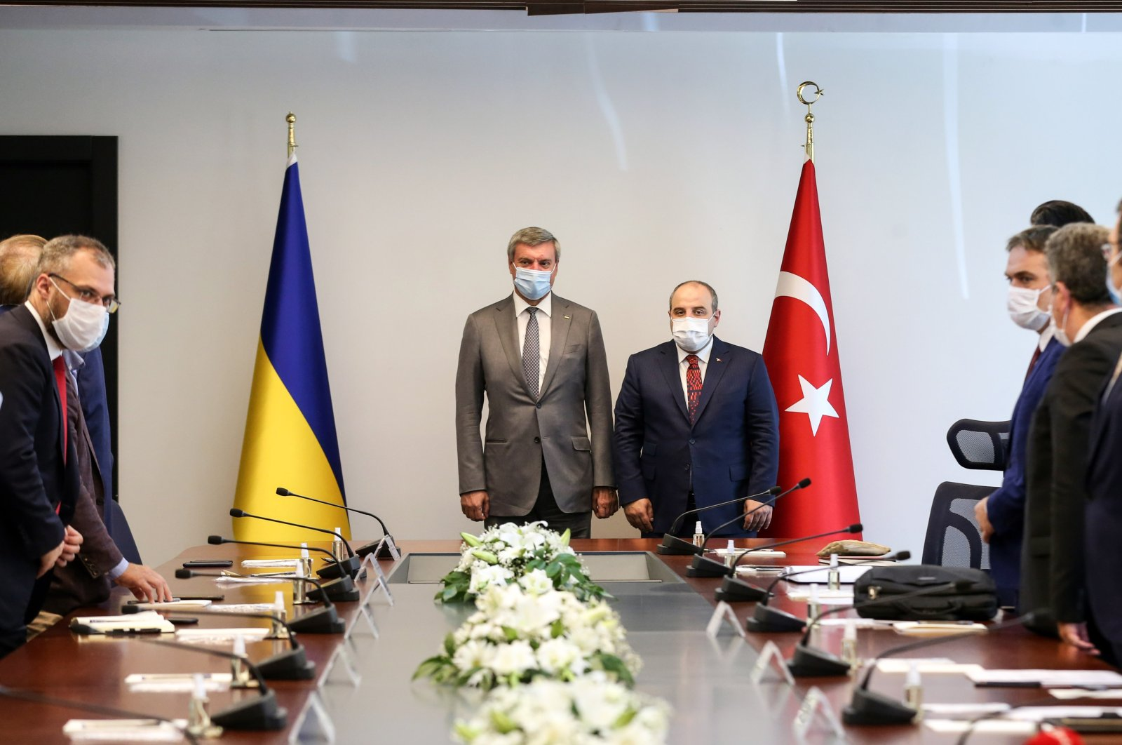 Turkish Industry and Technology Minister Mustafa Varank (R) holds a meeting with Oleh Urusky, Ukraine's vice prime minister for strategic industries, and his accompanying delegation in the capital Ankara, Turkey, Aug. 27, 2020. (Industry and Technology Ministry via AA Photo)