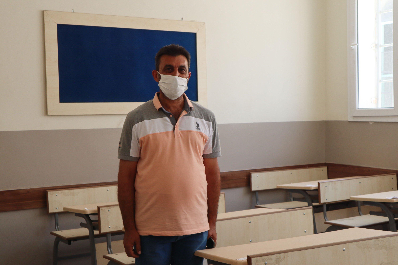 Ramazan Moustafa is an elementary school teacher in the Vali Ahmet Turgay Imamgiller school in Jarablus, Syria, Aug. 27, 2020 (Dilara Aslan)