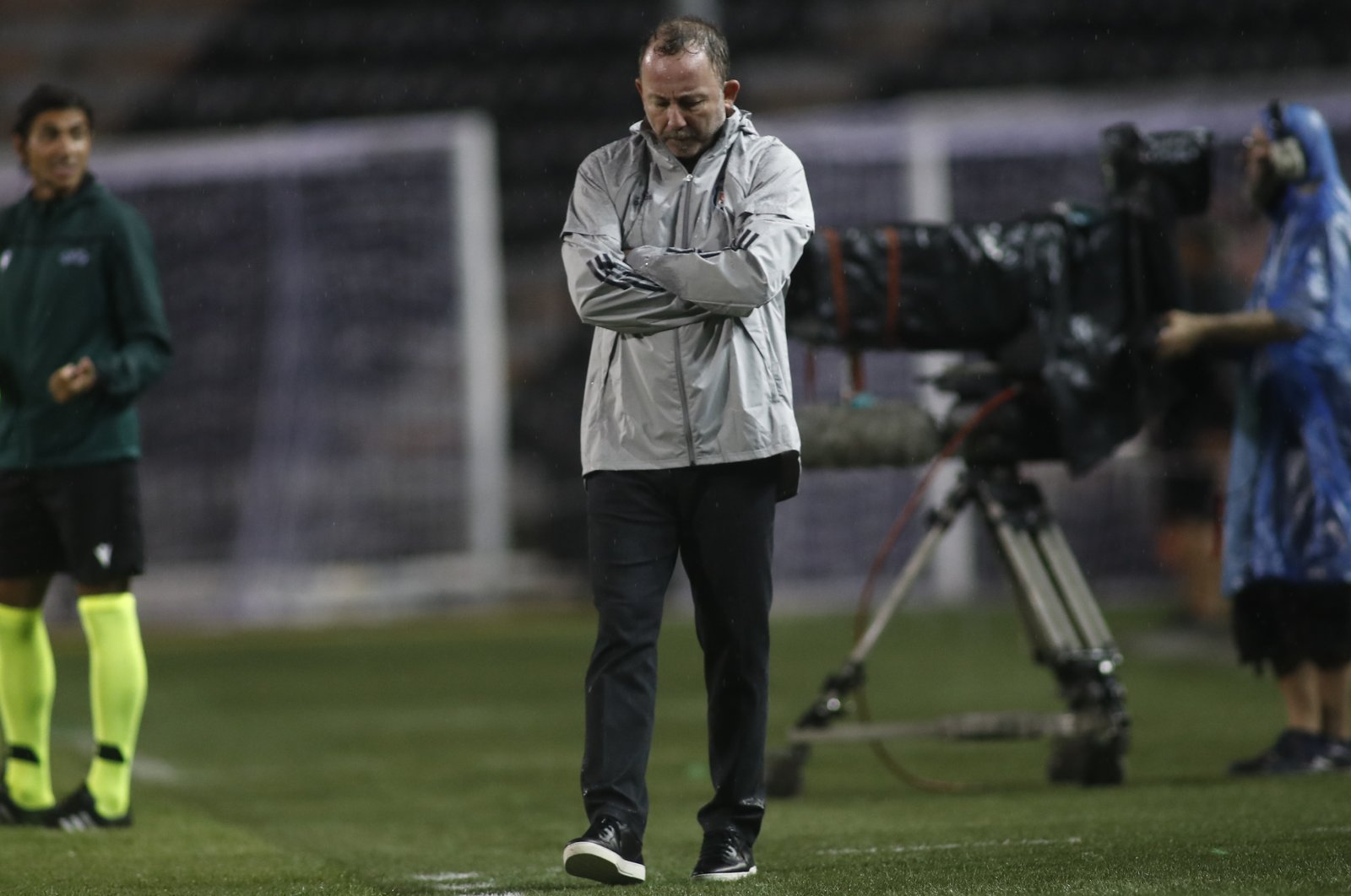 Sergen Yalçın reacts during the match against PAOK, in Thessaloniki, Greece, Aug. 25, 2020. (EPA Photo)