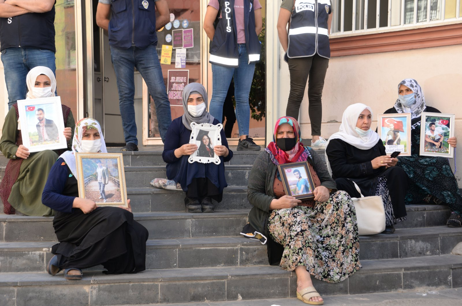143 Kurdish families have been staging a sit-in protest in front of the HDP headquarters in Diyarbakır province with the demand of their children back from the PKK terrorists for a year now, Aug.31, 2020. (DHA)