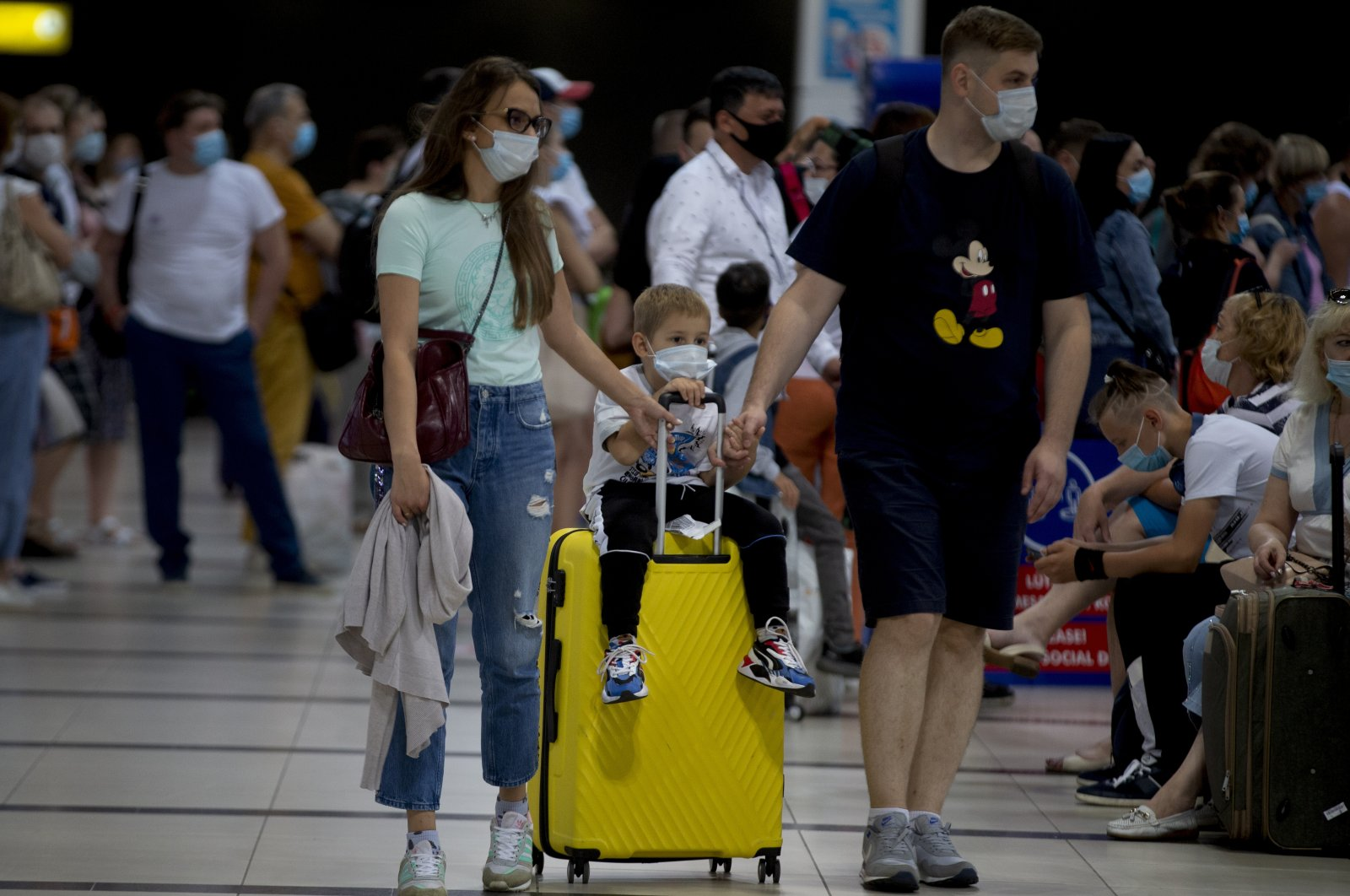 Russian tourists arrive at Antalya Airport after flights resumed between Russia and Turkey, in Antalya, southern Turkey, Aug. 10, 2020. (AA Photo)