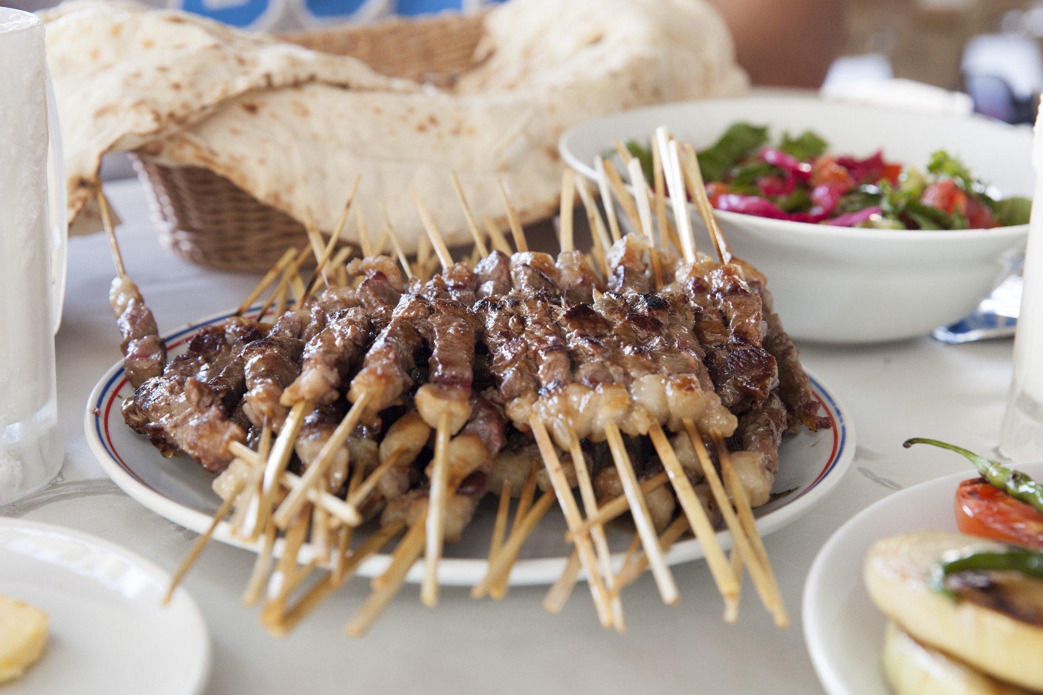 Çöp şiş is a roast dish of lamb on split bamboo skewers. (iStock Photo)