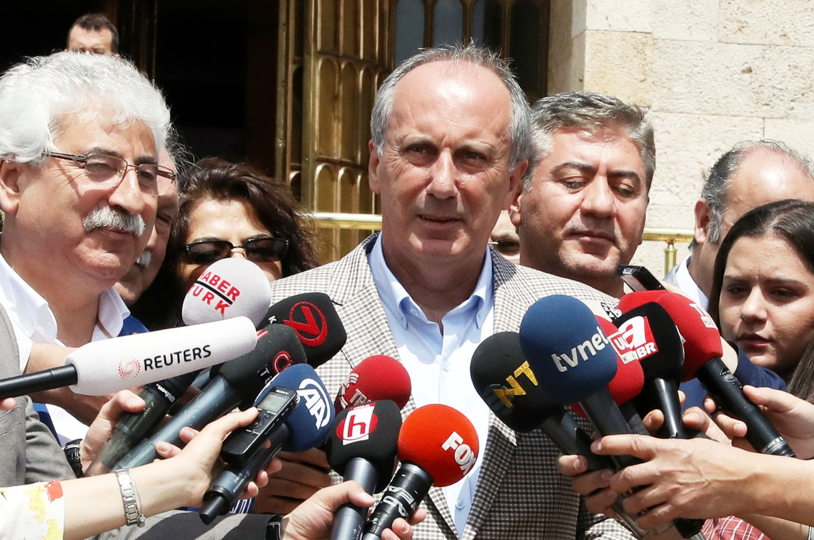 Dissident CHP member Muharrem Ince speaks to reporters at the Turkish Parliament, Ankara, May 7, 2018. (Sabah File Photo)