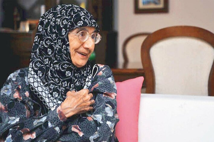 Following her Turkish red Crescent (Kızılay) assignment as a doctor for the hajj, Ayşe Hümeyra Ökten settled in Medina for the rest of her life.