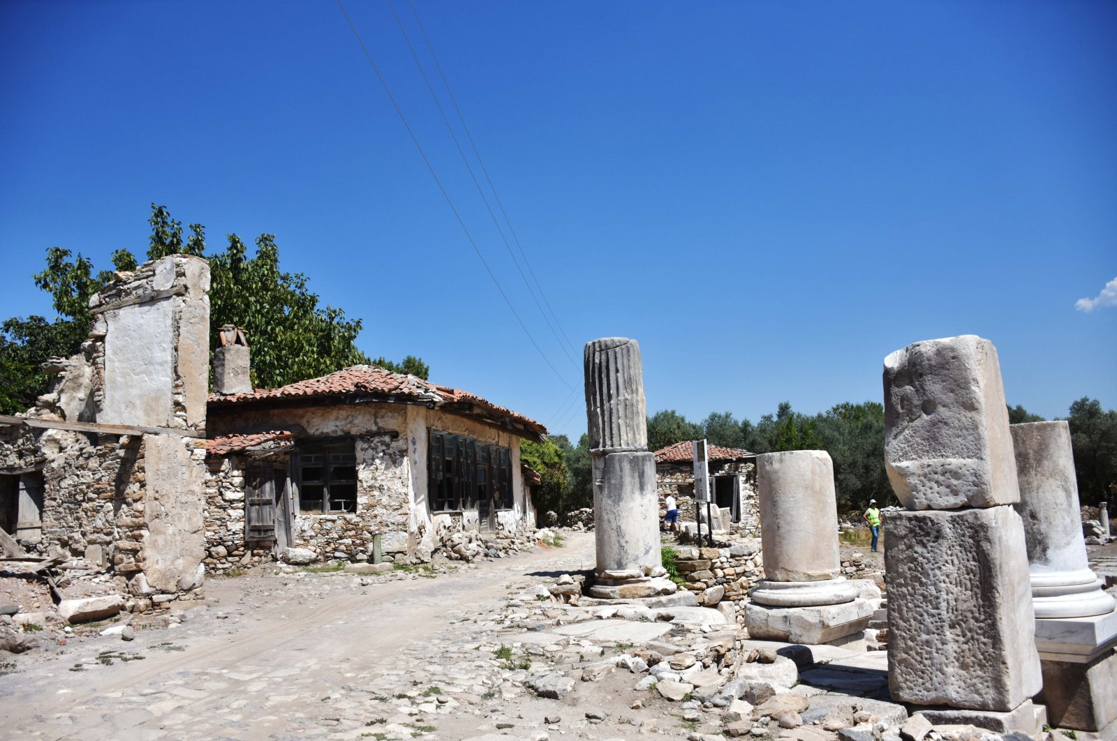 A historical house in the ancient city of Stratonikeia, Muğla, southwestern Turkey, Sept. 4, 2020. (AA PHOTO)