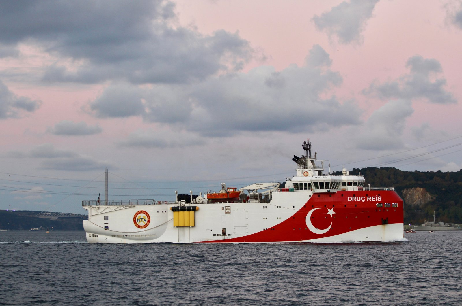 The Turkish seismic research vessel Oruç Reis passes through the Bosporus in Istanbul, Turkey, Nov. 12, 2018. (REUTERS Photo)