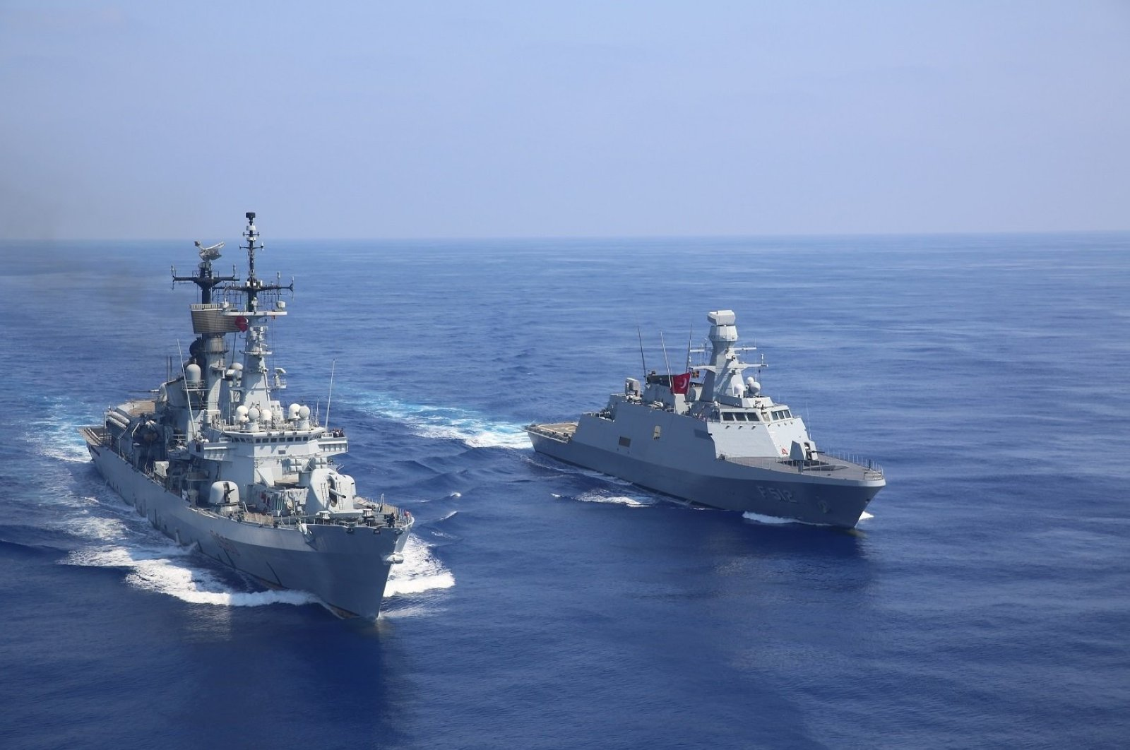 The Defense Ministry announced the conducting of transitional training in the Eastern Mediterranean with ally naval forces, including the Turkish frigate TCG Barbaros and the American destroyer USS Winston S. Churchill, Aug. 31, 2020 (DHA Photo)
