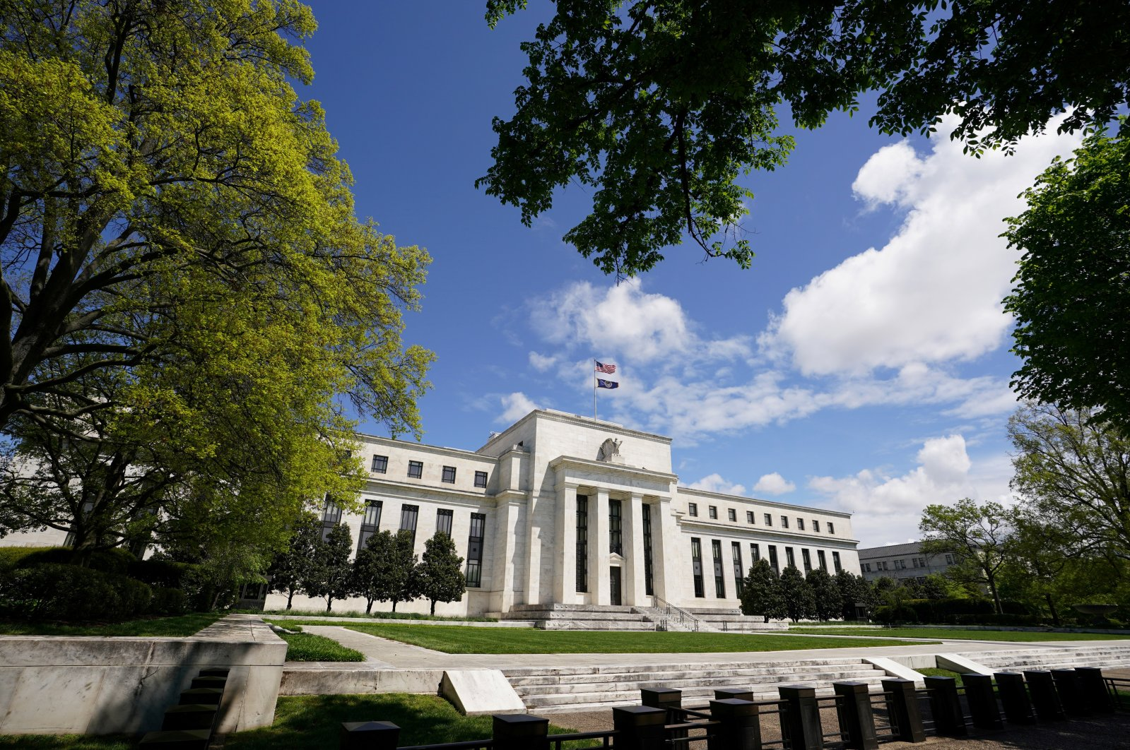 The Federal Reserve building is set against a blue sky, amid the coronavirus pandemic, in Washington, D.C., U.S., May 1, 2020. (Reuters Photo)