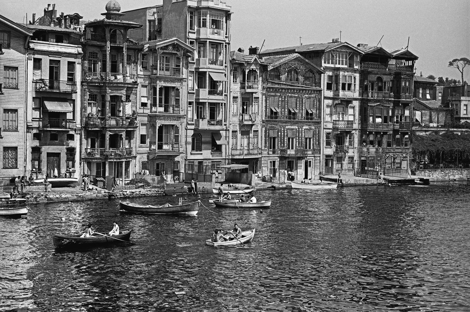 A photo of Istanbul by Ara Güler featured in the exhibition.