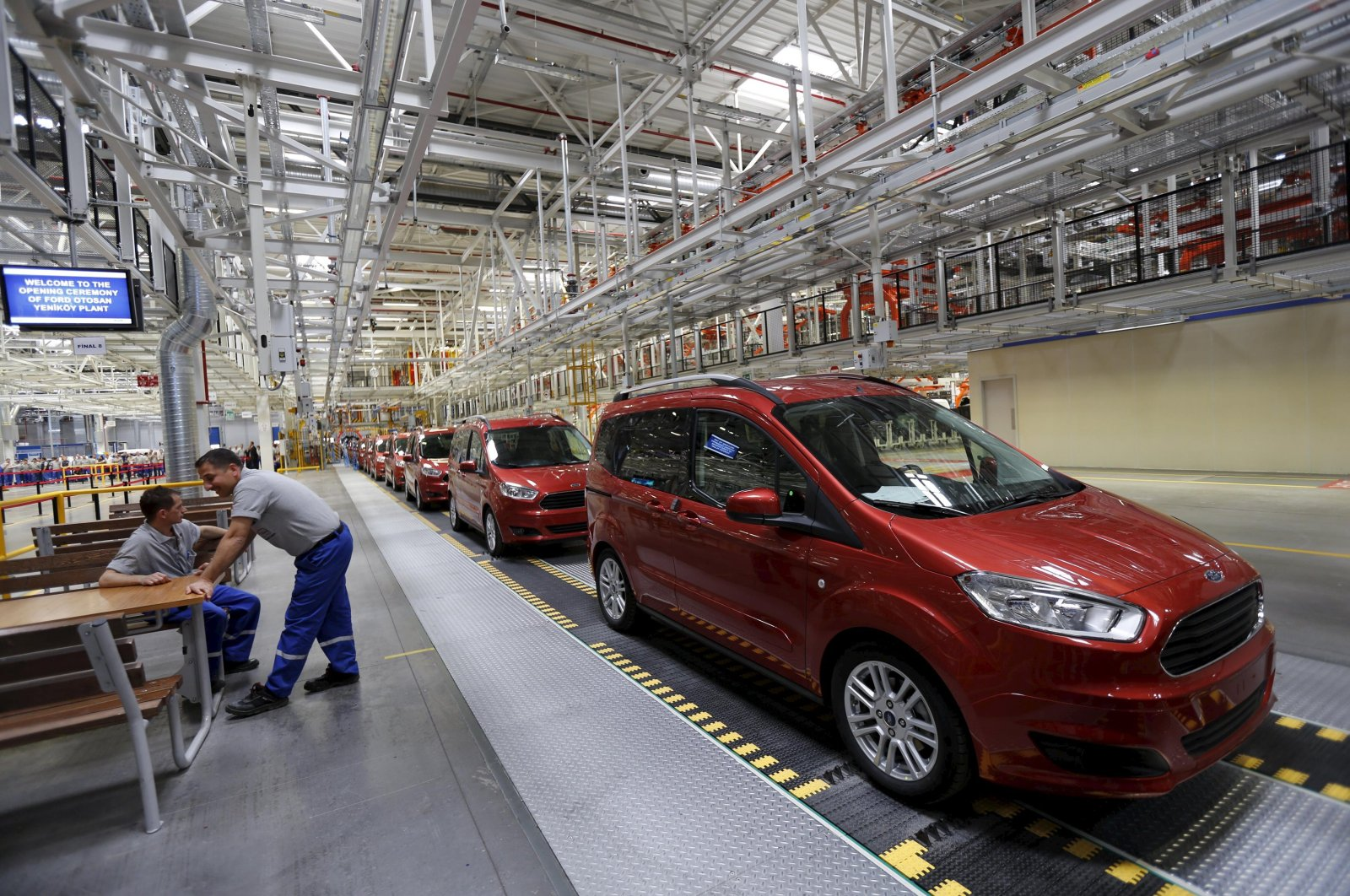 Ford Tourneo Courier light commercial vehicles at the Ford Otosan Yenikoy car plant in Kocaeli, Turkey, May 22, 2014. (Reuters Photo)