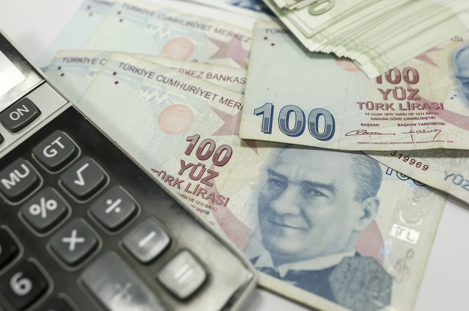 Excluding the interest payments, the Treasury's cash balance posted a surplus of TL 41.6 billion in August. (AA Photo)