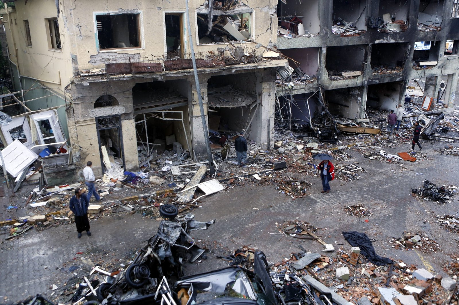 The aftermath of two bombings in the Reyhanlı district of Hatay, southern Turkey, May 11, 2013. (Photo by Emin Özmen)