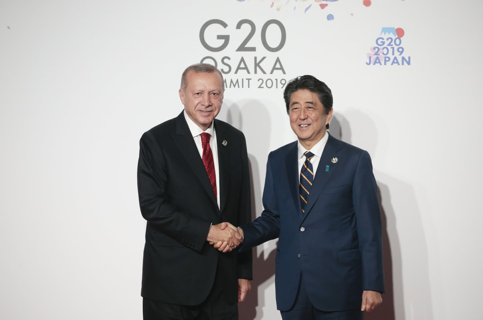 President Recep Tayyip Erdoğan was welcomed by Japanese Prime Minister Shinzo Abe during his visit for the G-20 Osaka leaders summit, July 1, 2020. (AA Photo)