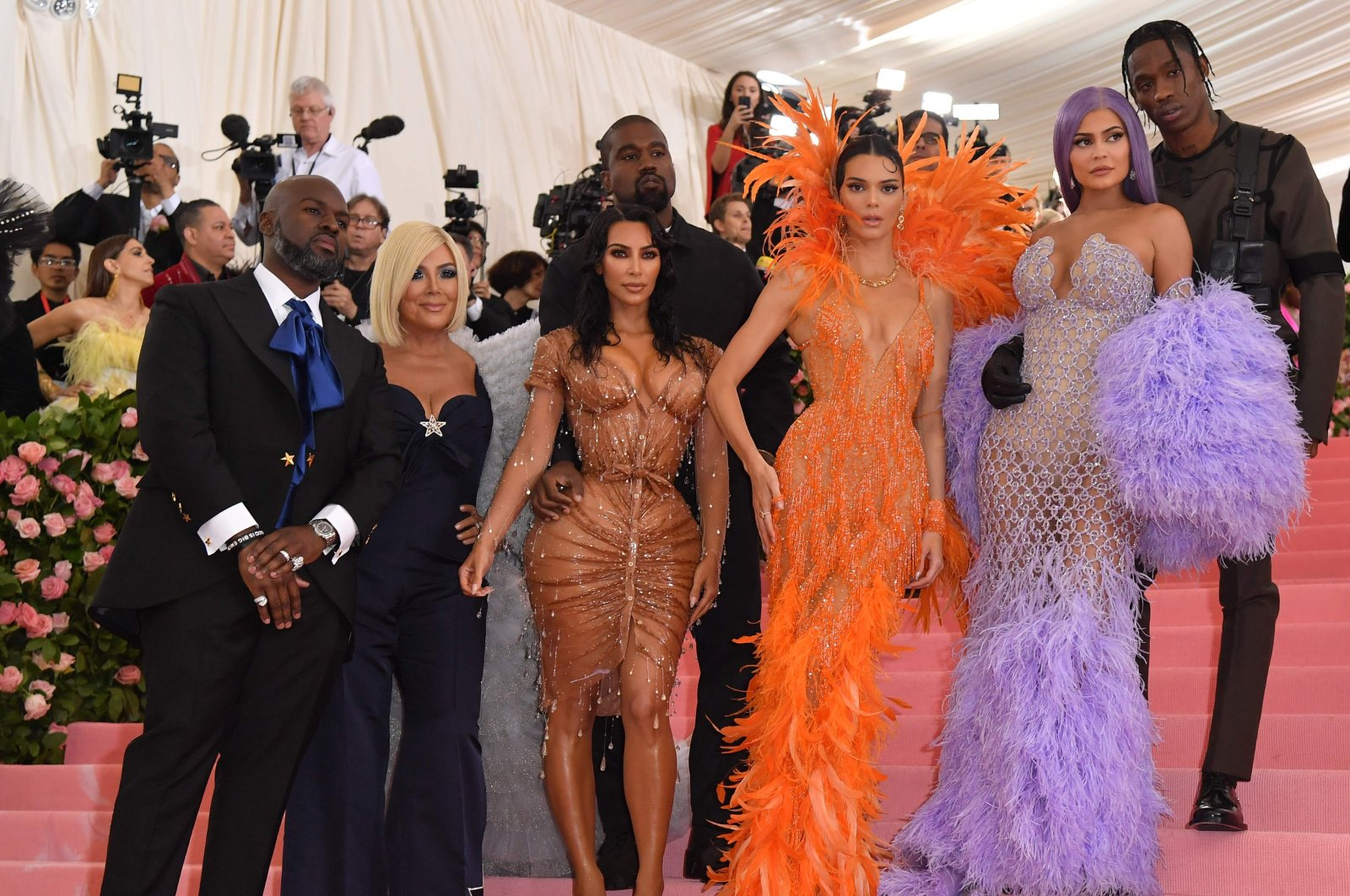 From left: Corey Gamble, Kris Jenner, Kim Kardashian West, Kanye West, Kendall Jenner, Kylie Jenner and Travis Scott arrive for the 2019 Met Gala at the Metropolitan Museum of Art in New York, May 6, 2019. (AFP PHOTO)