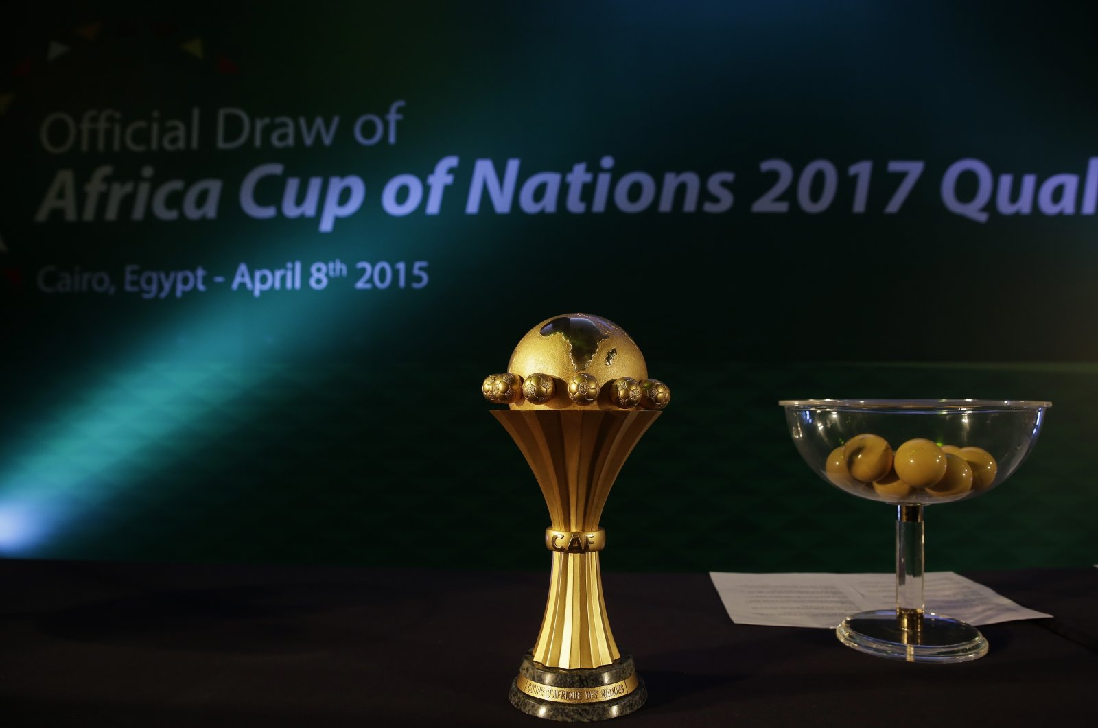The African Cup of Nations trophy is on display during a meeting of the Confederation of African Football's executive committee in Cairo, Egypt, April 8, 2015. (AP Photo)
