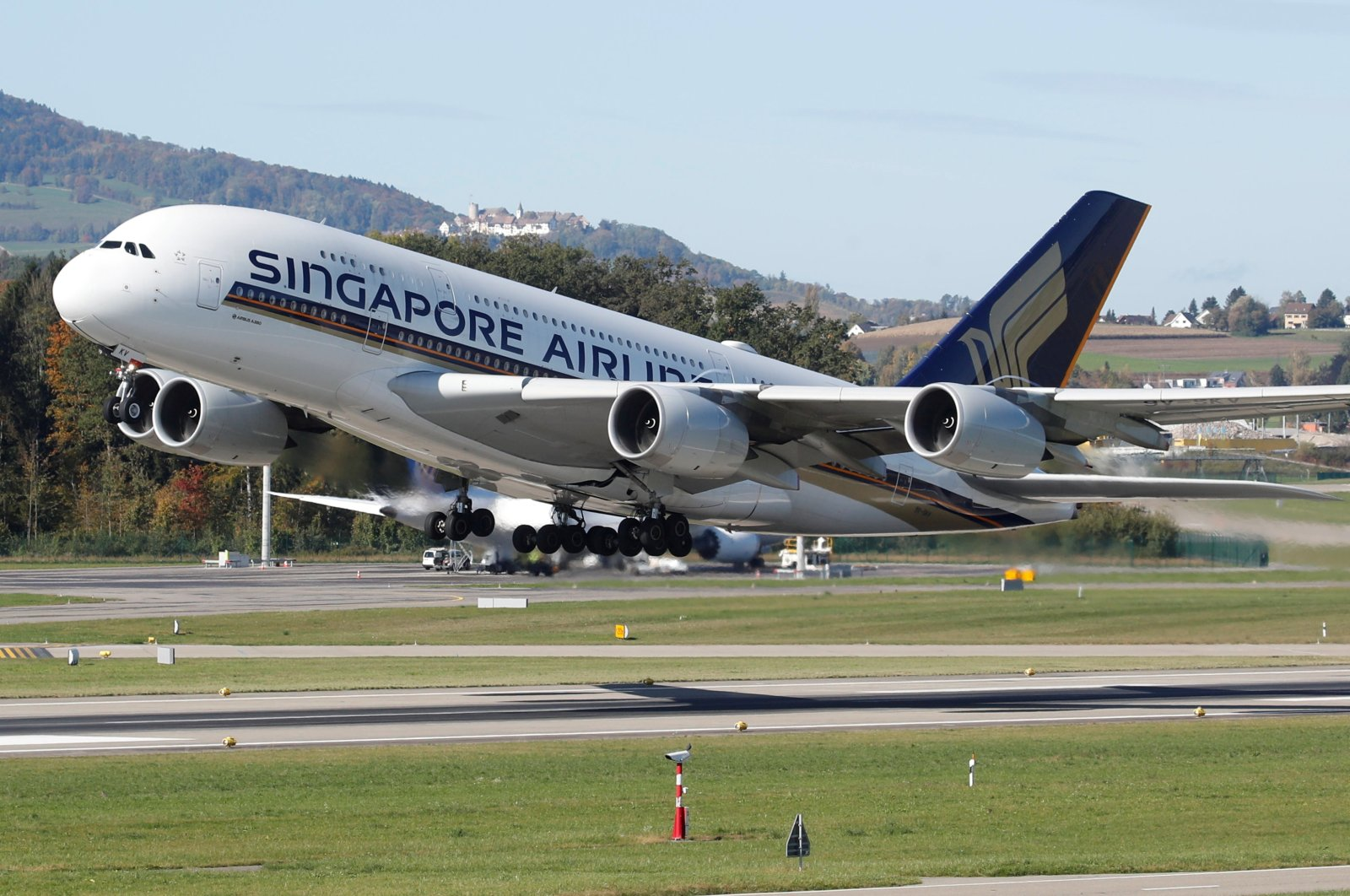 An Airbus A380-800 aircraft of Singapore Airlines takes off from Zurich airport, Switzerland, Oct. 16, 2019. (Reuters Photo)