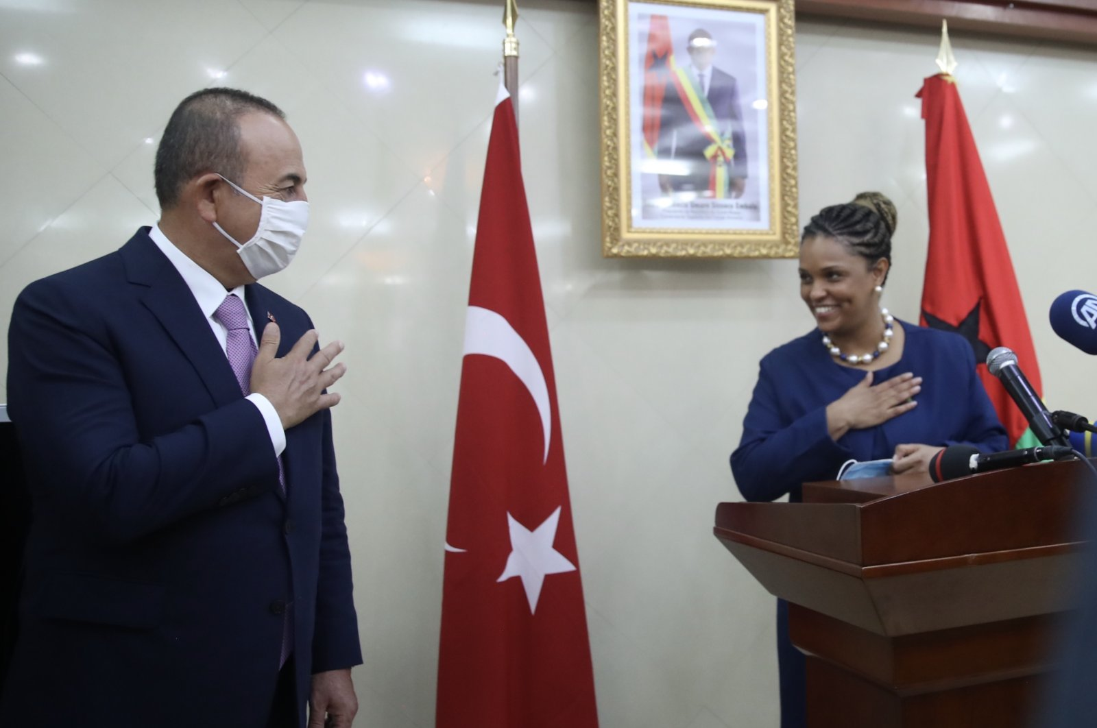 Turkey's Foreign Minister Mevlüt Çavuşoğlu and his counterpart Suzi Carla Barbosa during a joint news conference in Bissau, Guinea-Bissau, Sept. 10, 2020. (AA Photo)