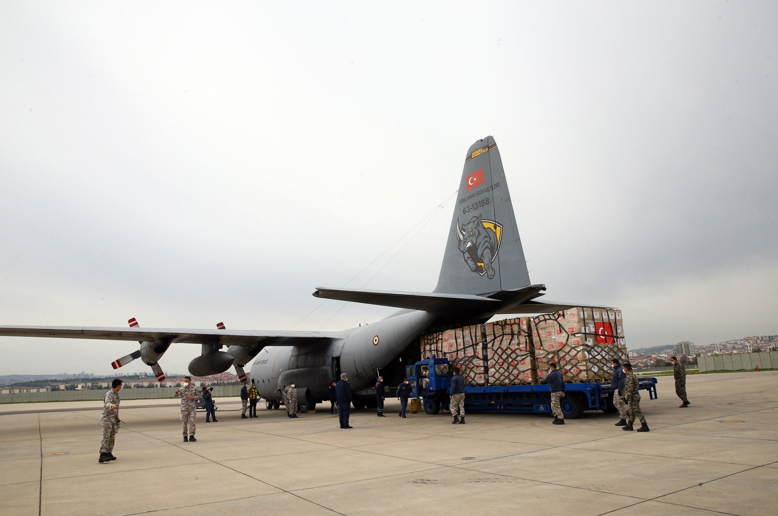 A second military cargo plane carrying medical aid for the U.S., one of the countries most affected by the global pandemic, is loaded with supplies, Ankara, Turkey, June 3, 2020. (AA Photo)