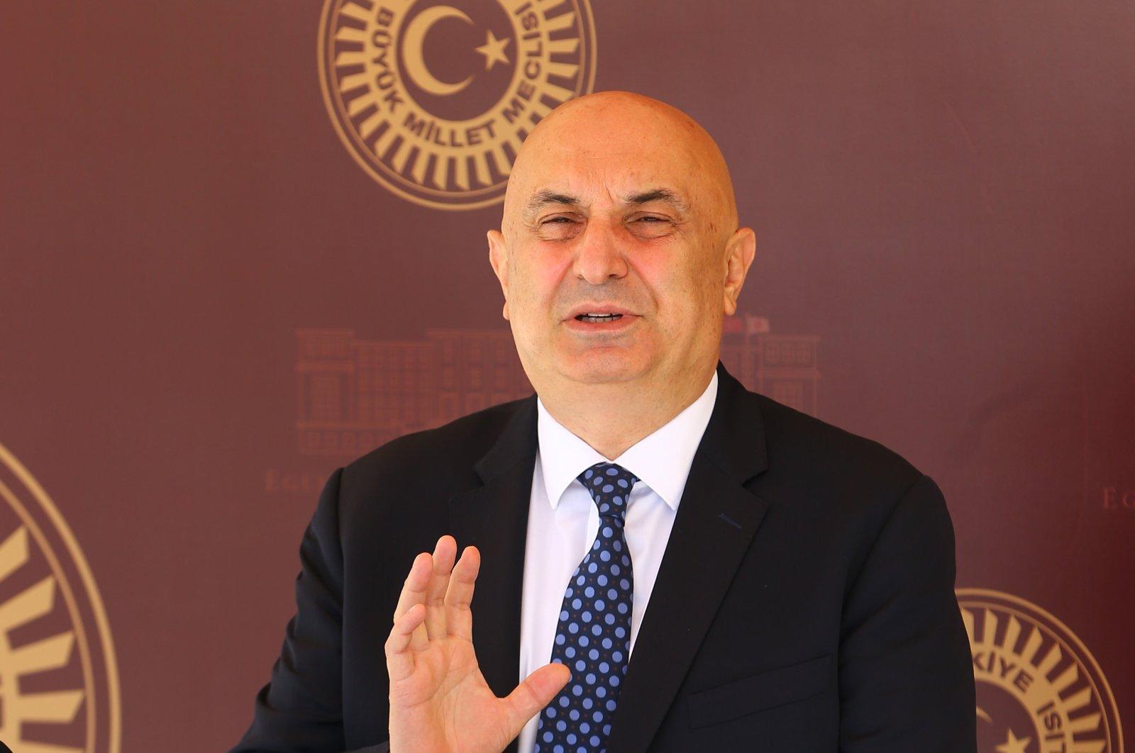 CHP Group Deputy Chairman Engin Özkoç speaks to reporters at Parliament, Ankara, Turkey, July 30, 2020 (AA Photo)