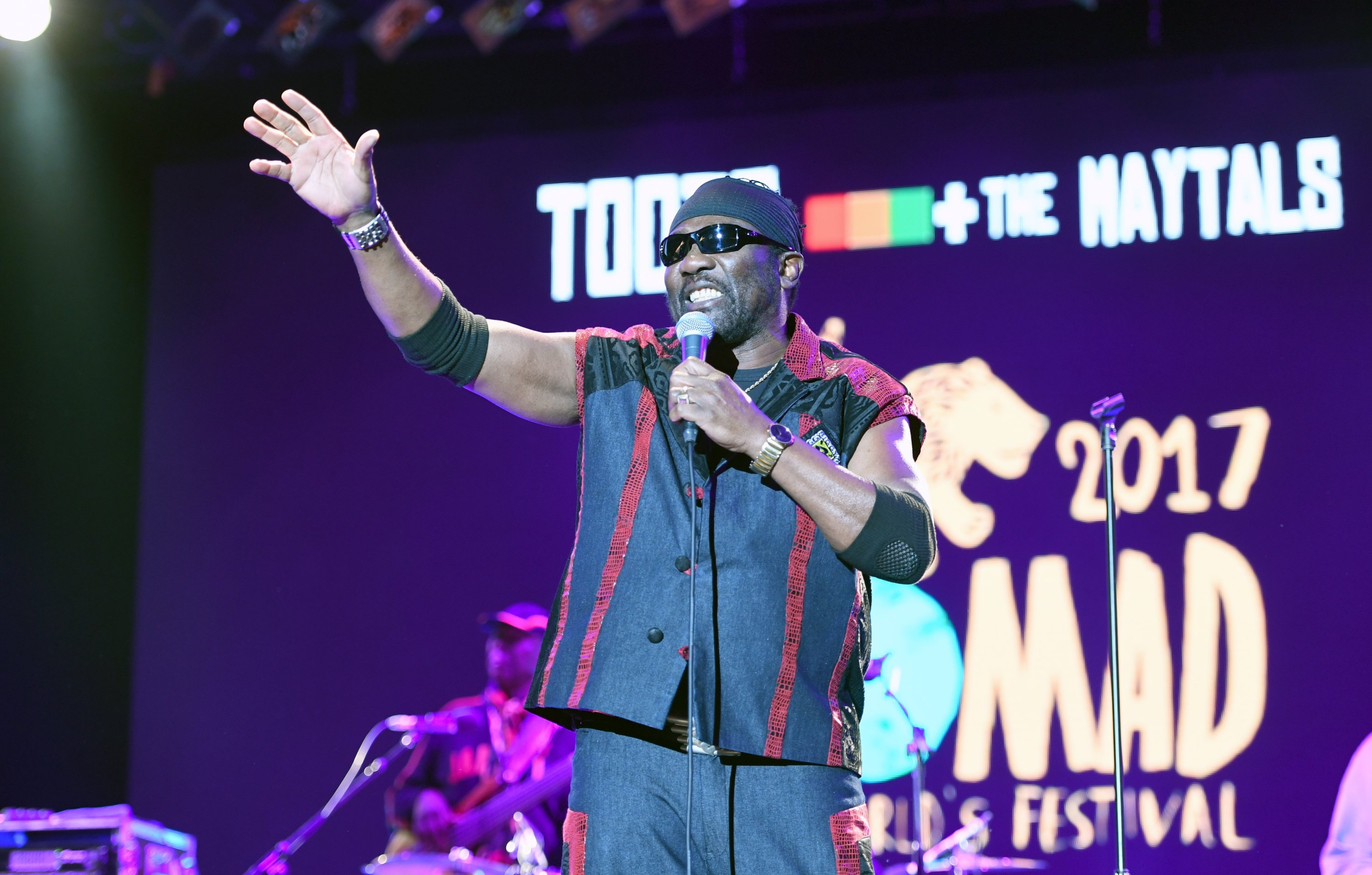 Pioneering reggae legend Toots Hibbert dies at 77 with COVID-19 symptoms |  Daily Sabah