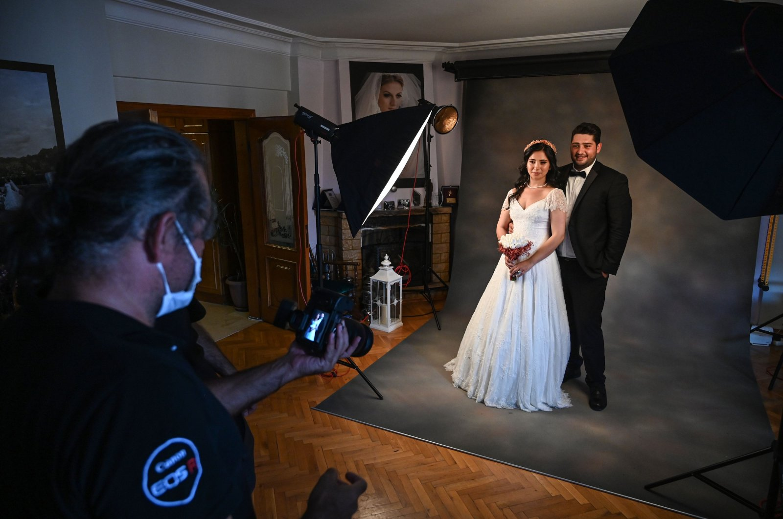 Ayşe Keleş and her husband Alp Çolak pose for a wedding photo shoot, in Istanbul, Turkey, Sept. 5, 2020. (AFP Photo)
