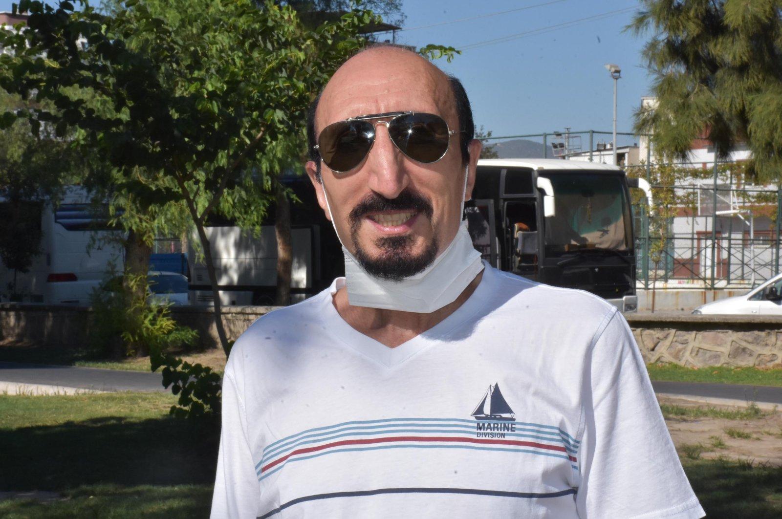 Mahir Çağrı, who rode a wave of popularity in 1999, is seen here in his hometown İzmir, western Turkey, Sept. 13, 2020. (DHA Photo)