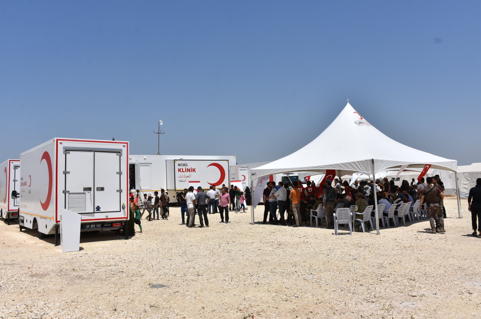 Turkish Red Crescent has been providing aid in Syria since the country's civil war has erupted back in 2011. (AA Photo)