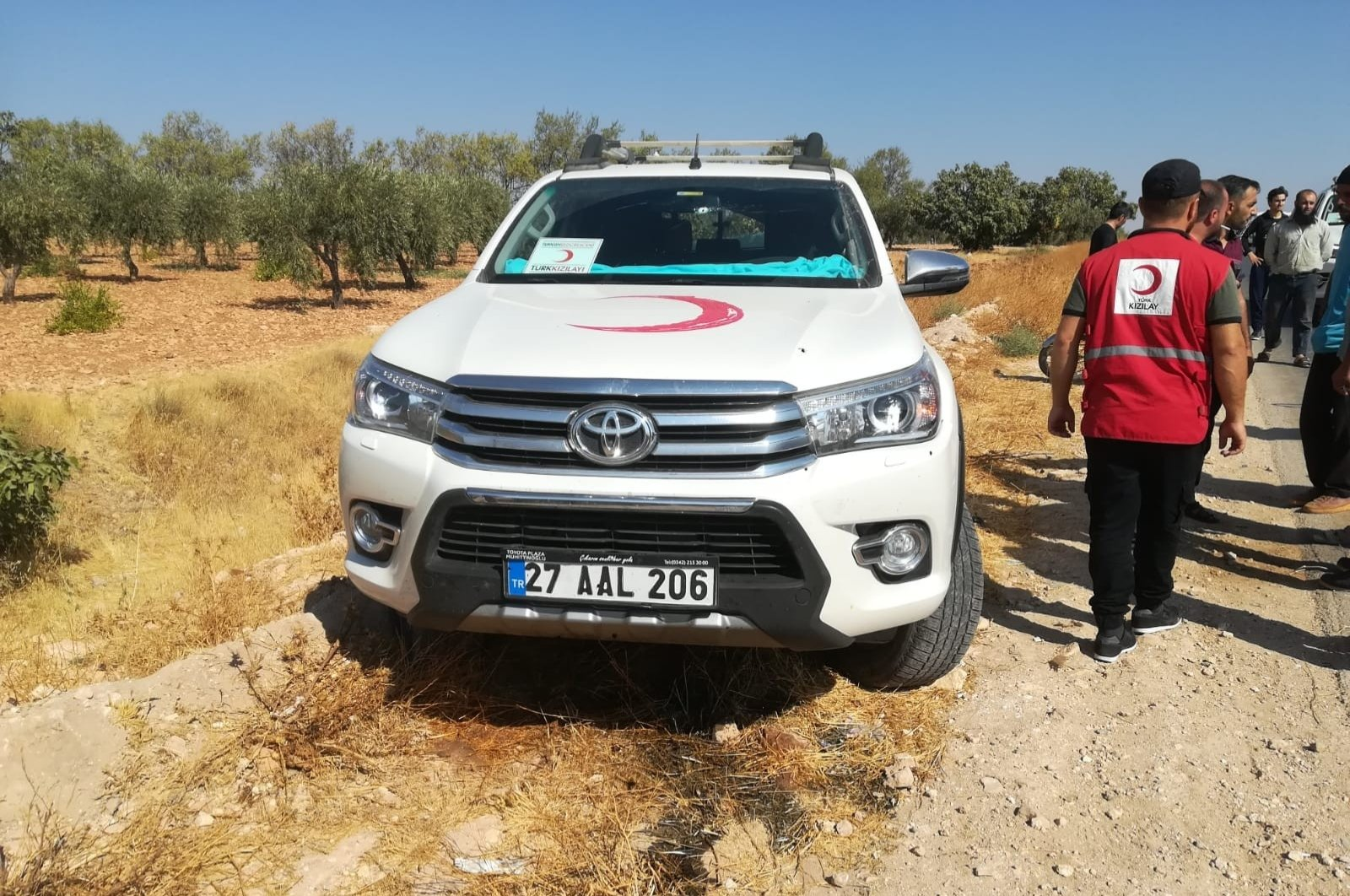 A vehicle belonging to Turkish Red Crescent is attacked in northern Syria by unknown individuals, killing one personnel, Sept.14, 2020. (IHA Photo)