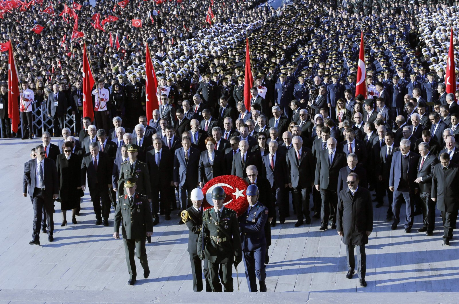 President Recep Tayyip Erdoğan, members of the government, opposition leaders and other officials attend a ceremony commemorating the 81st anniversary of the death of Turkey's founder Mustafa Kemal Atatürk, at his mausoleum in capital Ankara, Nov. 10, 2019. (AFP Photo)