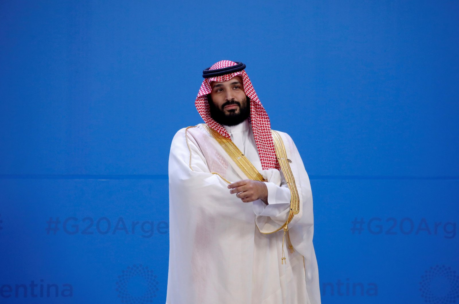 Saudi Arabia's Crown Prince Mohammed bin Salman waits for the family photo during the G20 summit, Buenos Aires, Nov. 30, 2018. (REUTERS Photo)