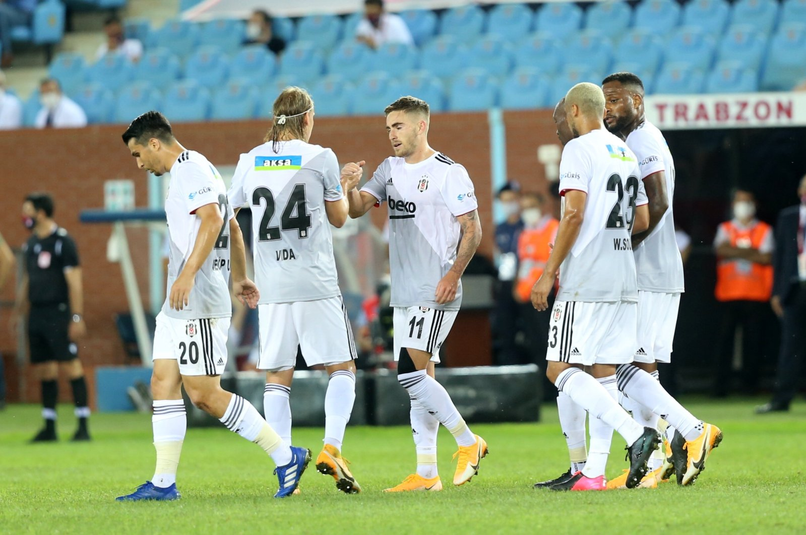Beşiktaş players celebrate a goal during a Süper Lig match against Trabzonspor in Trabzon, Turkey, Sept. 13, 2020. (AA Photo)